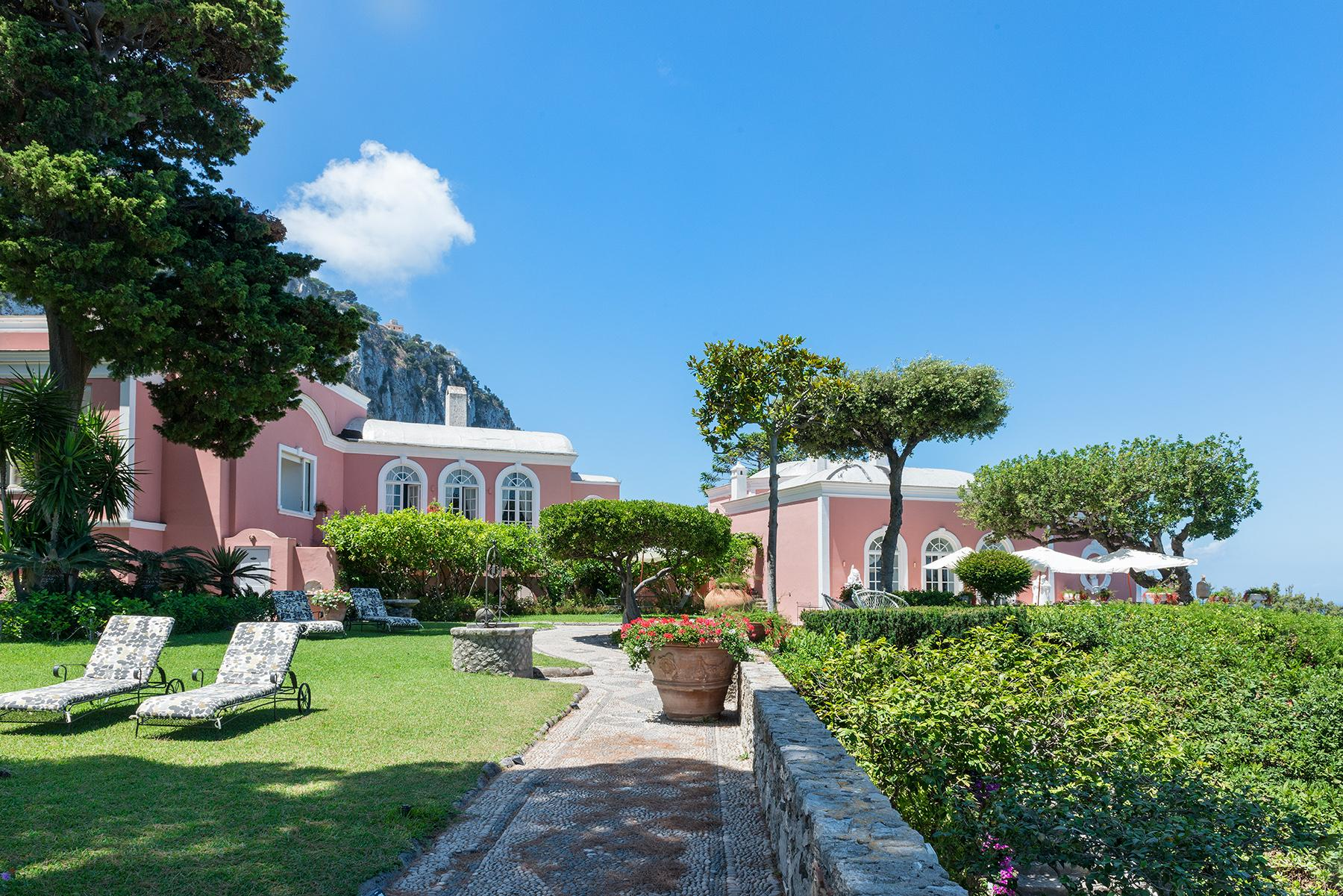 Villa Bismarck, an extraordinarily unique location in Capri - 1