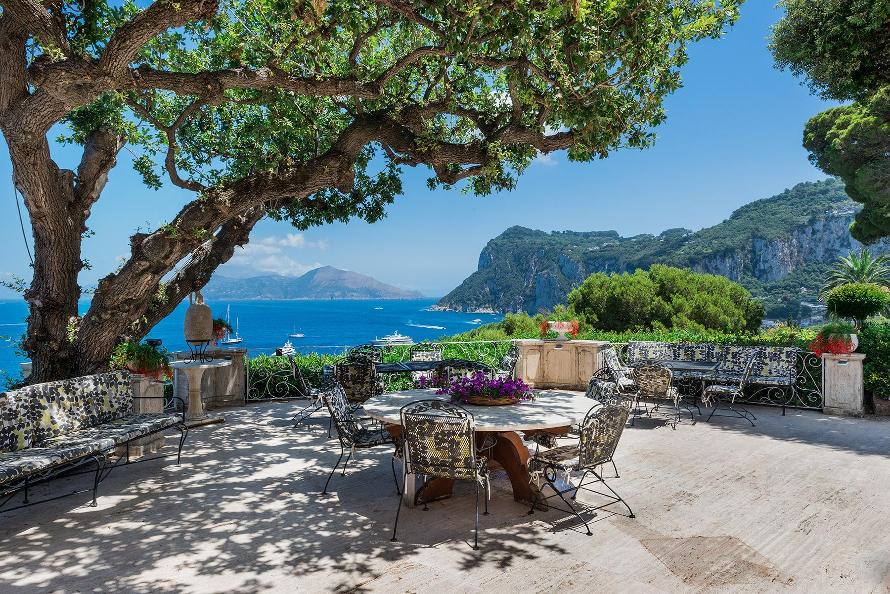 Villa Bismarck, an extraordinarily unique location in Capri - 3