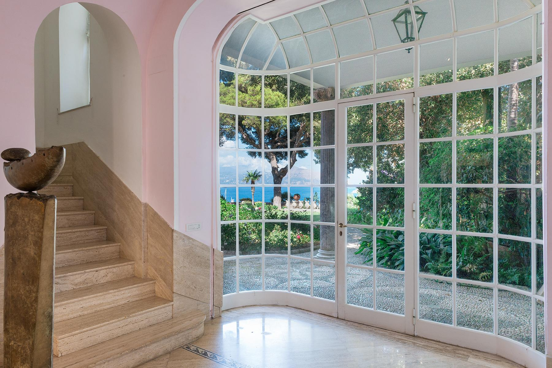 Villa Bismarck, an extraordinarily unique location in Capri - 16