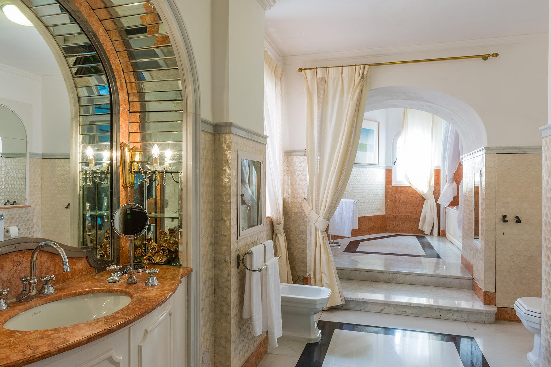Villa Bismarck, an extraordinarily unique location in Capri - 32