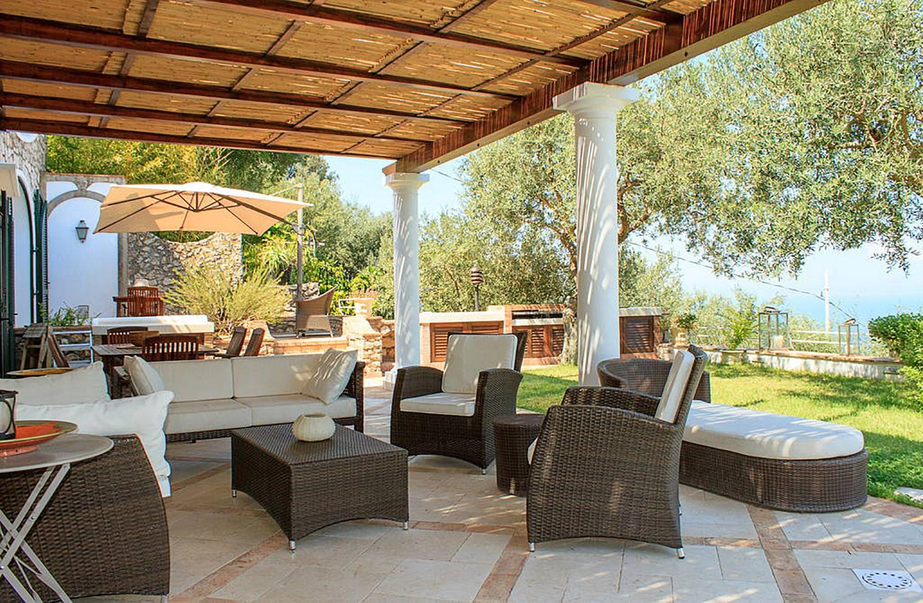 Очаровательная вилла с панорамным бассейном в центре легендарного острова Капри, Италия - 3