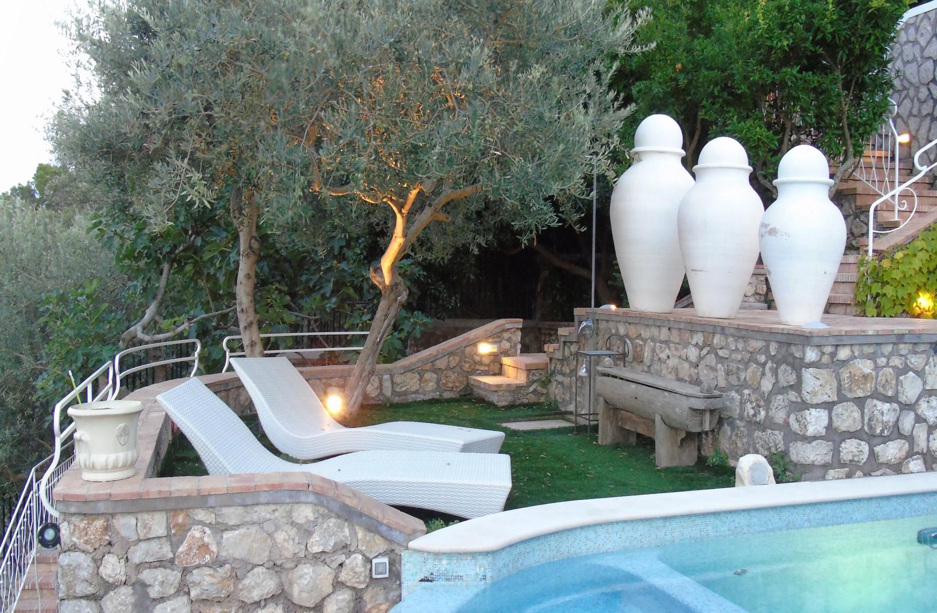Villa Panoramica con Piscina nel Centro di Capri - 5