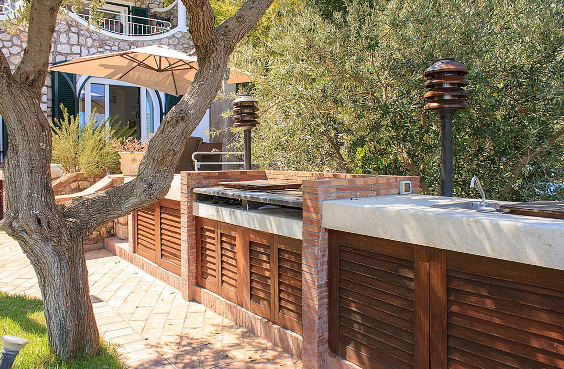 Villa Panoramica con Piscina nel Centro di Capri - 7