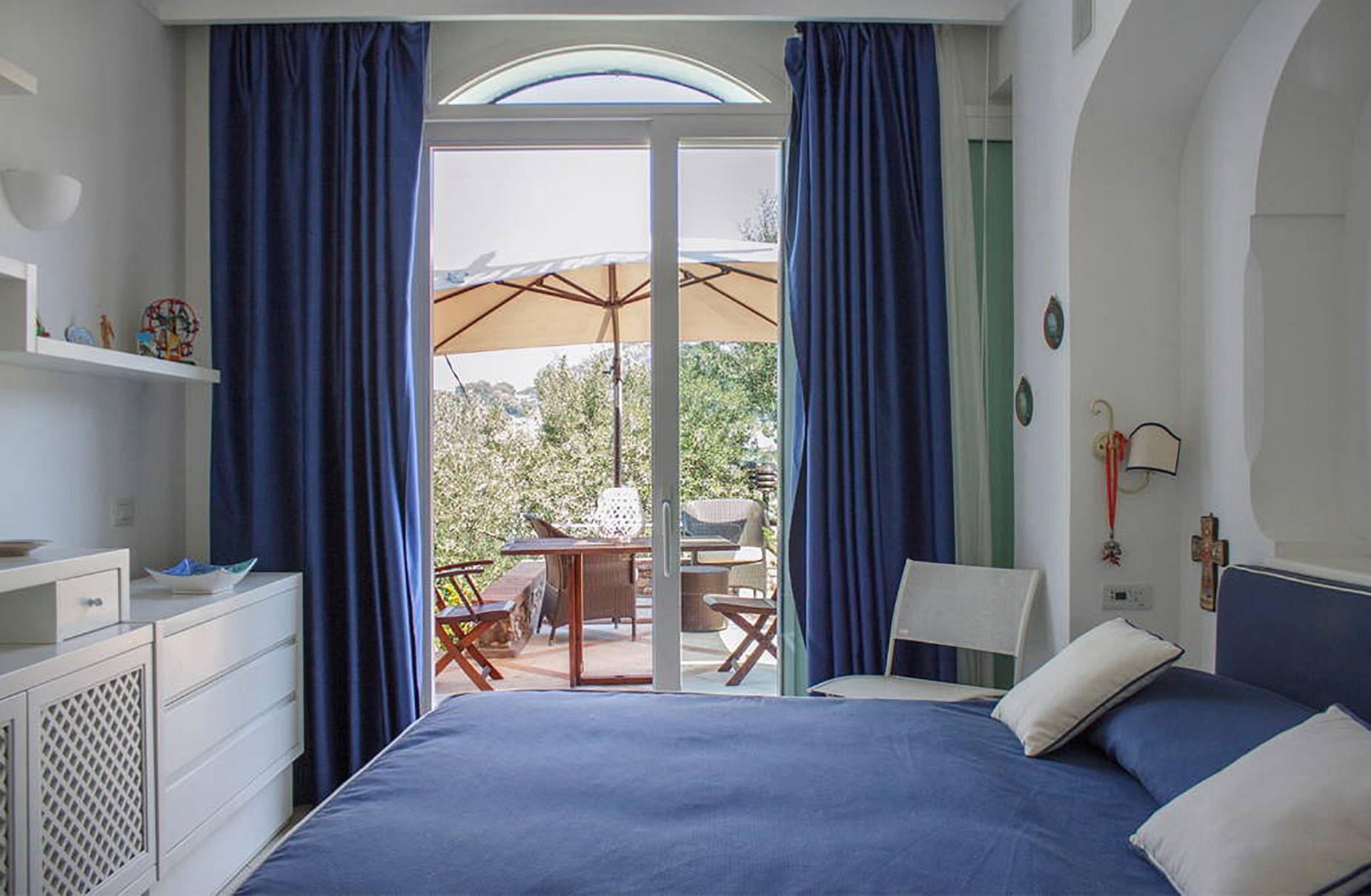 Villa Panoramica con Piscina nel Centro di Capri - 11