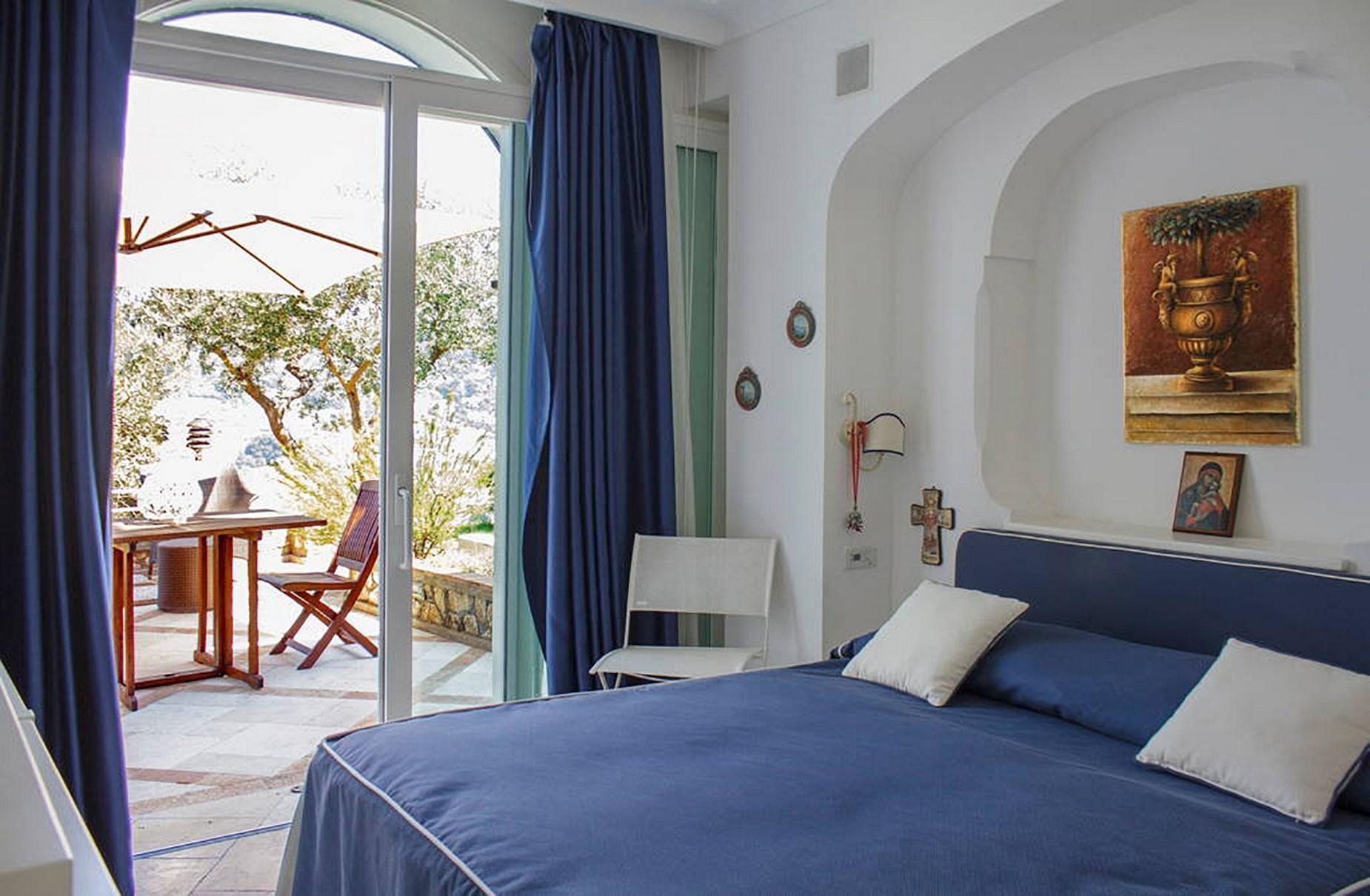 Villa Panoramica con Piscina nel Centro di Capri - 12