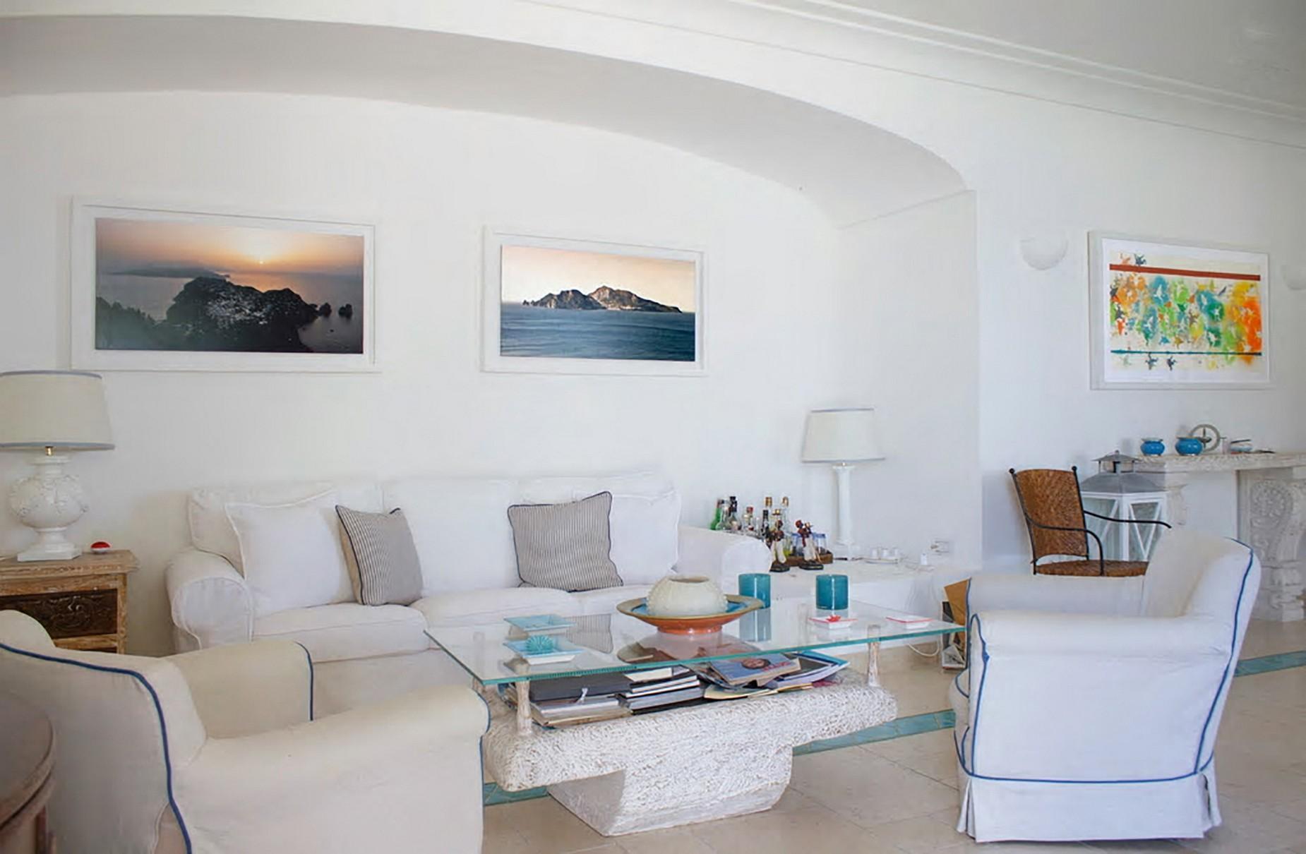Очаровательная вилла с панорамным бассейном в центре легендарного острова Капри, Италия - 14