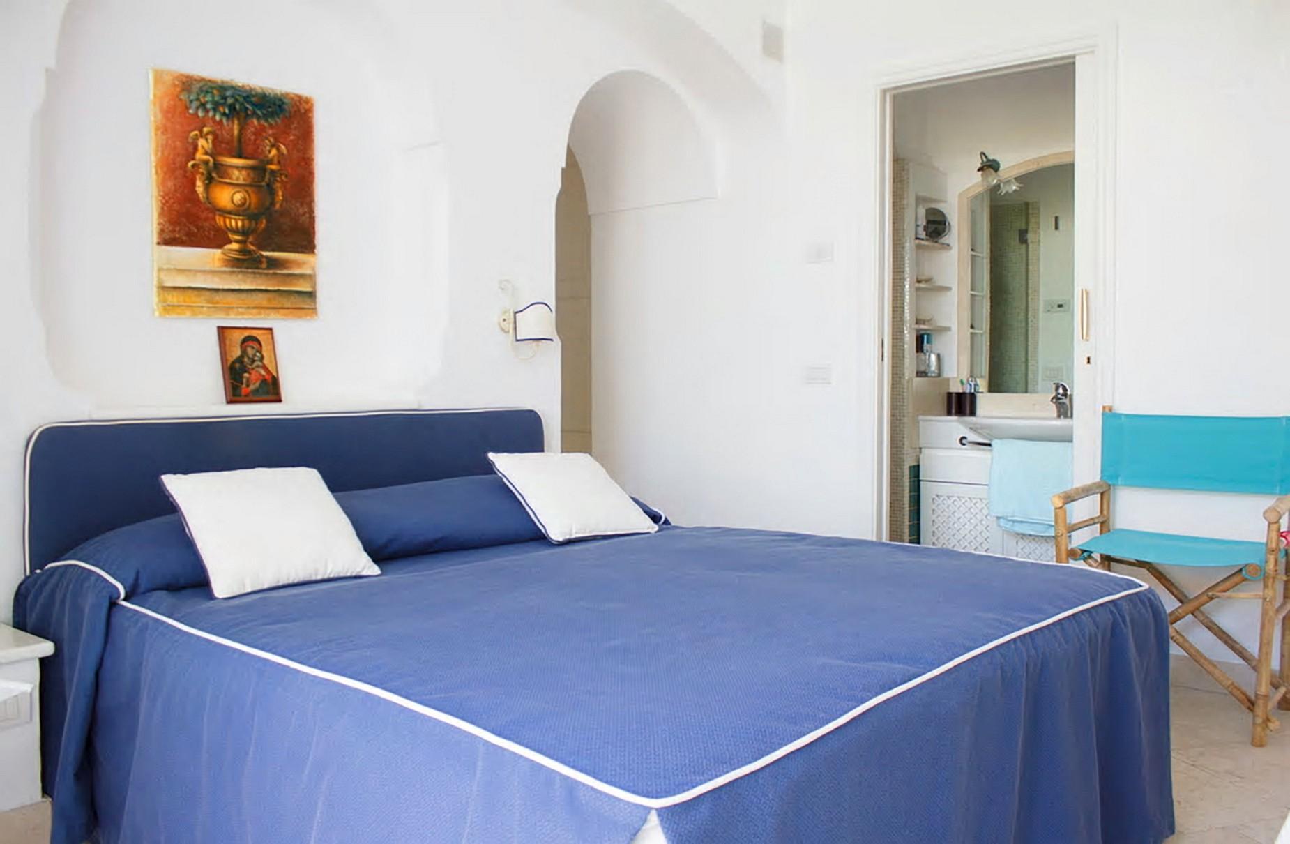 Очаровательная вилла с панорамным бассейном в центре легендарного острова Капри, Италия - 17