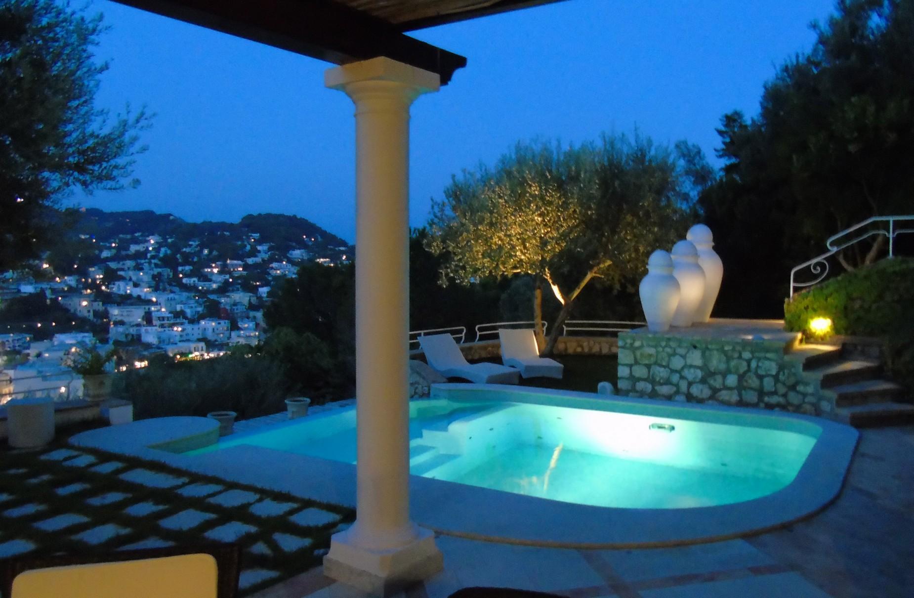 Очаровательная вилла с панорамным бассейном в центре легендарного острова Капри, Италия - 18