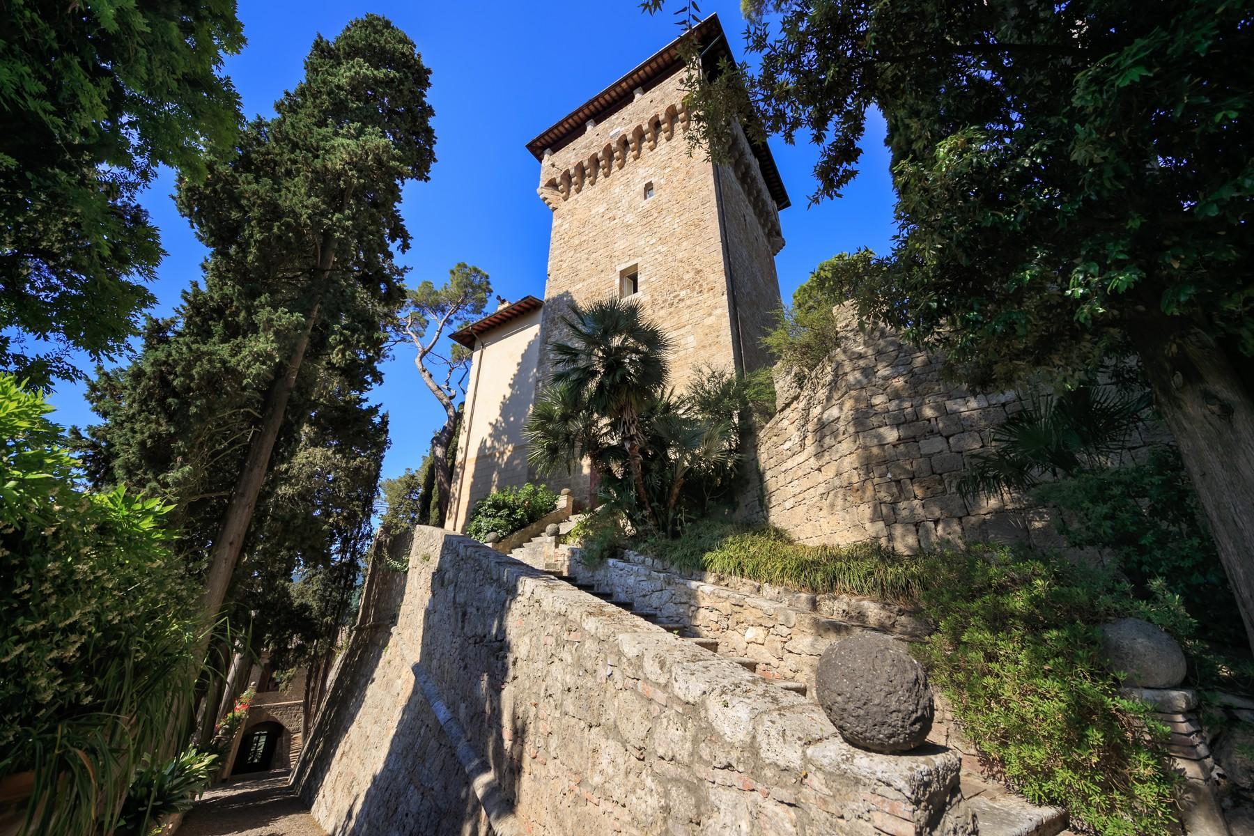 Rocca di Cetona, un'incantevole villa con viste mozzafiato dei paesaggi - 3