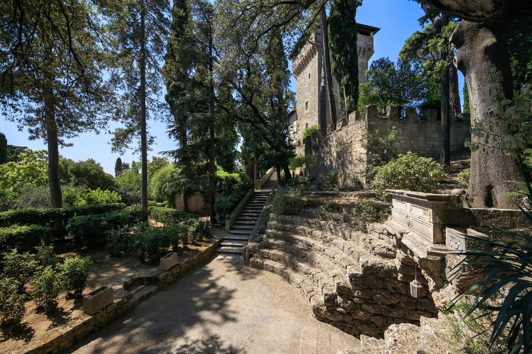 Rocca di Cetona, un'incantevole villa con viste mozzafiato dei paesaggi - 8