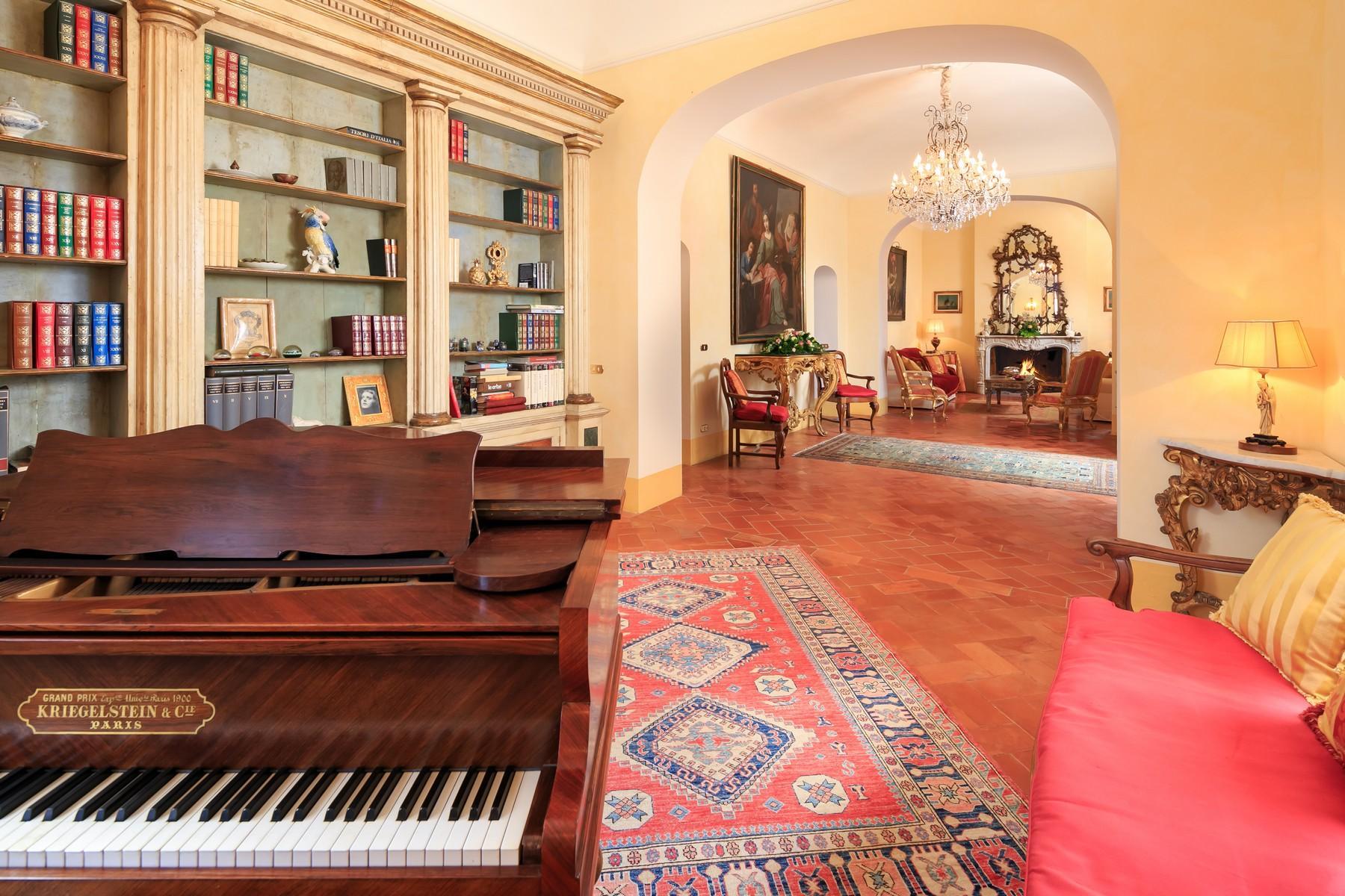 Rocca di Cetona, a superlative villa  with breathtaking views - 10