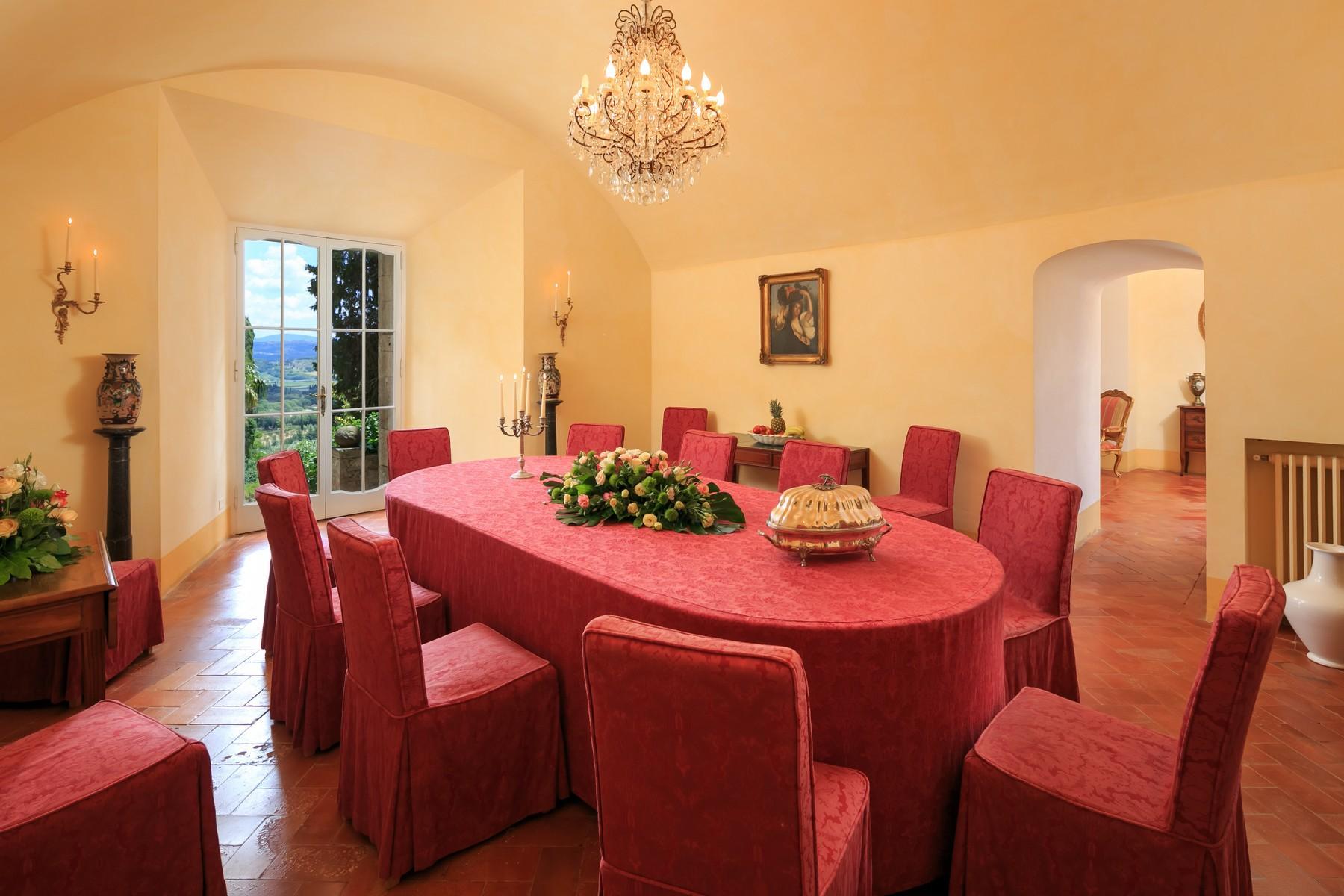 Восхитительное поместье с захватывающим видом на Тоскану в окрестностях Сиены, Италия - 12