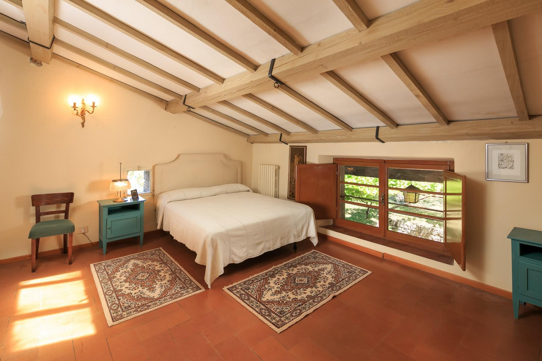 Восхитительное поместье с захватывающим видом на Тоскану в окрестностях Сиены, Италия - 16