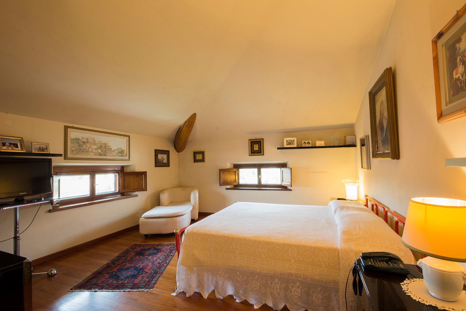 Wonderful liberty style villa with dependance - 11