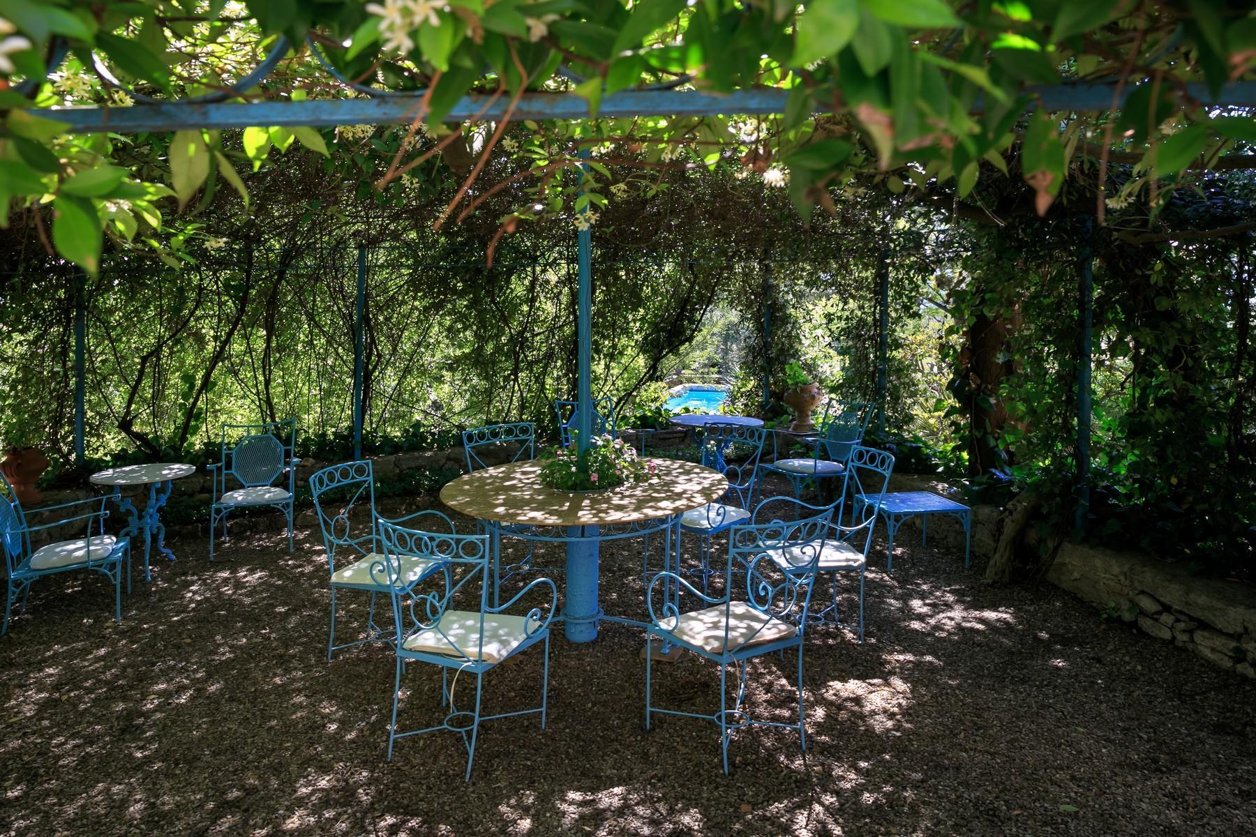 Восхитительное поместье с захватывающим видом на Тоскану в окрестностях Сиены, Италия - 30