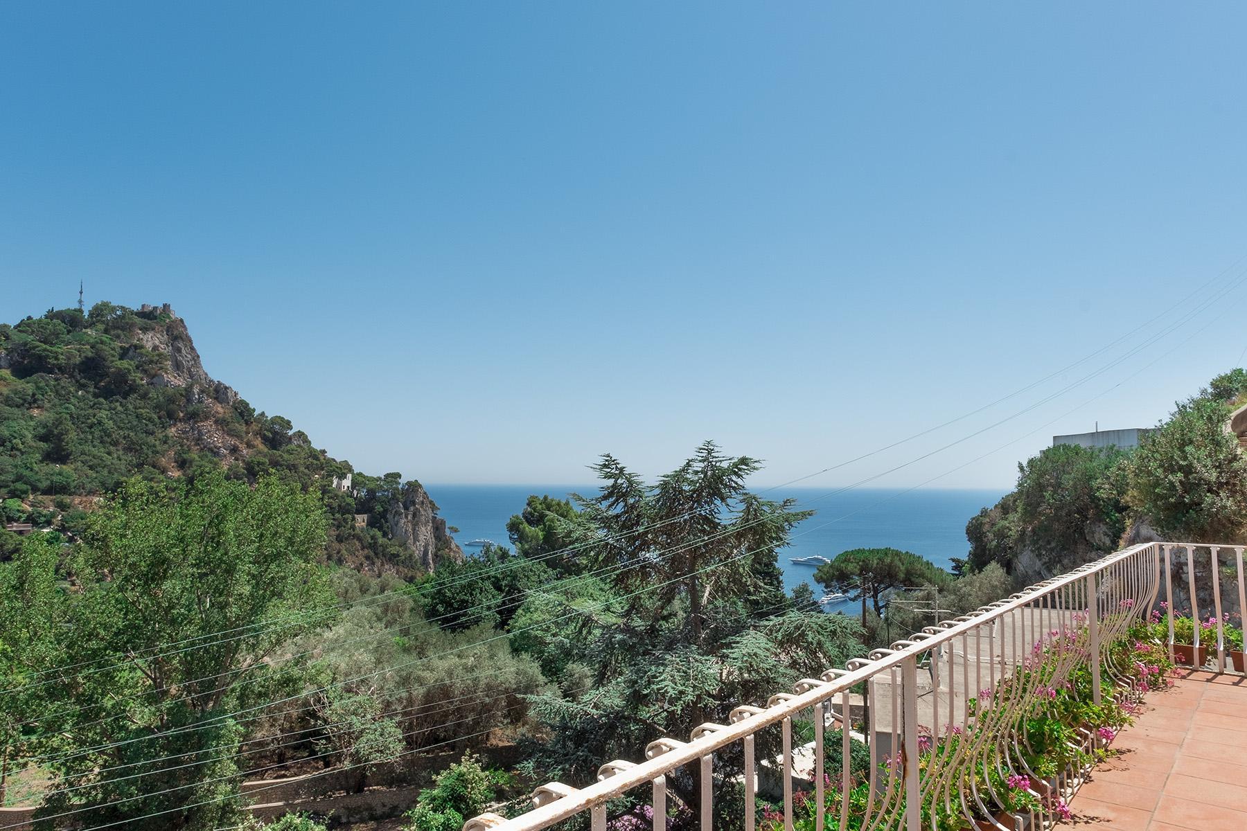 Прекрасная вилла с панорамным видом на море в центре легендарного острова Капри, Италия - 15