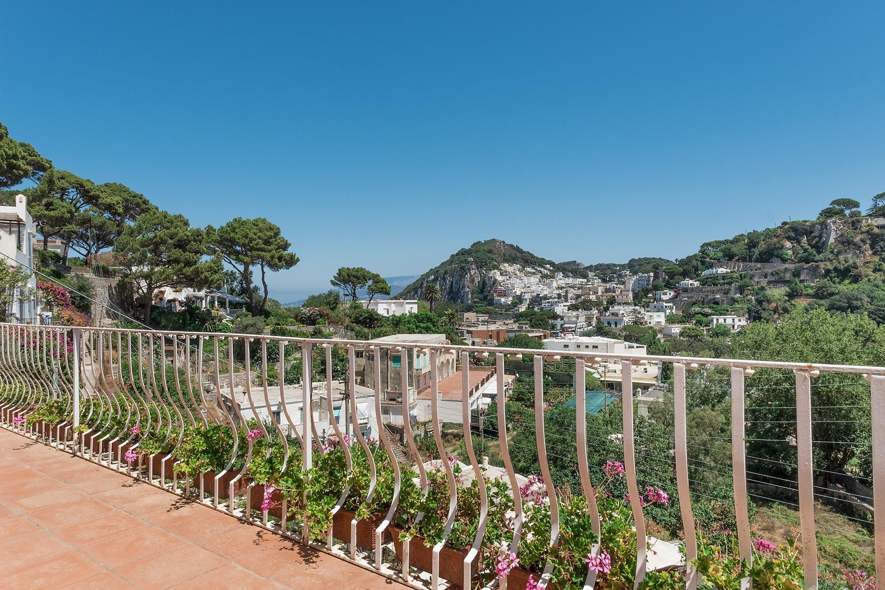 Прекрасная вилла с панорамным видом на море в центре легендарного острова Капри, Италия - 16