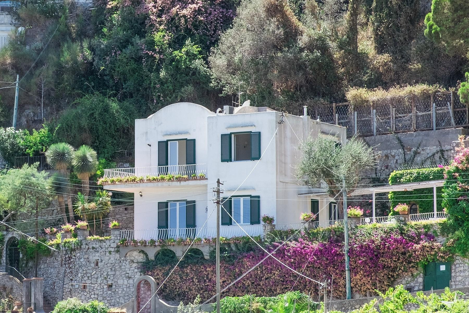Прекрасная вилла с панорамным видом на море в центре легендарного острова Капри, Италия - 20