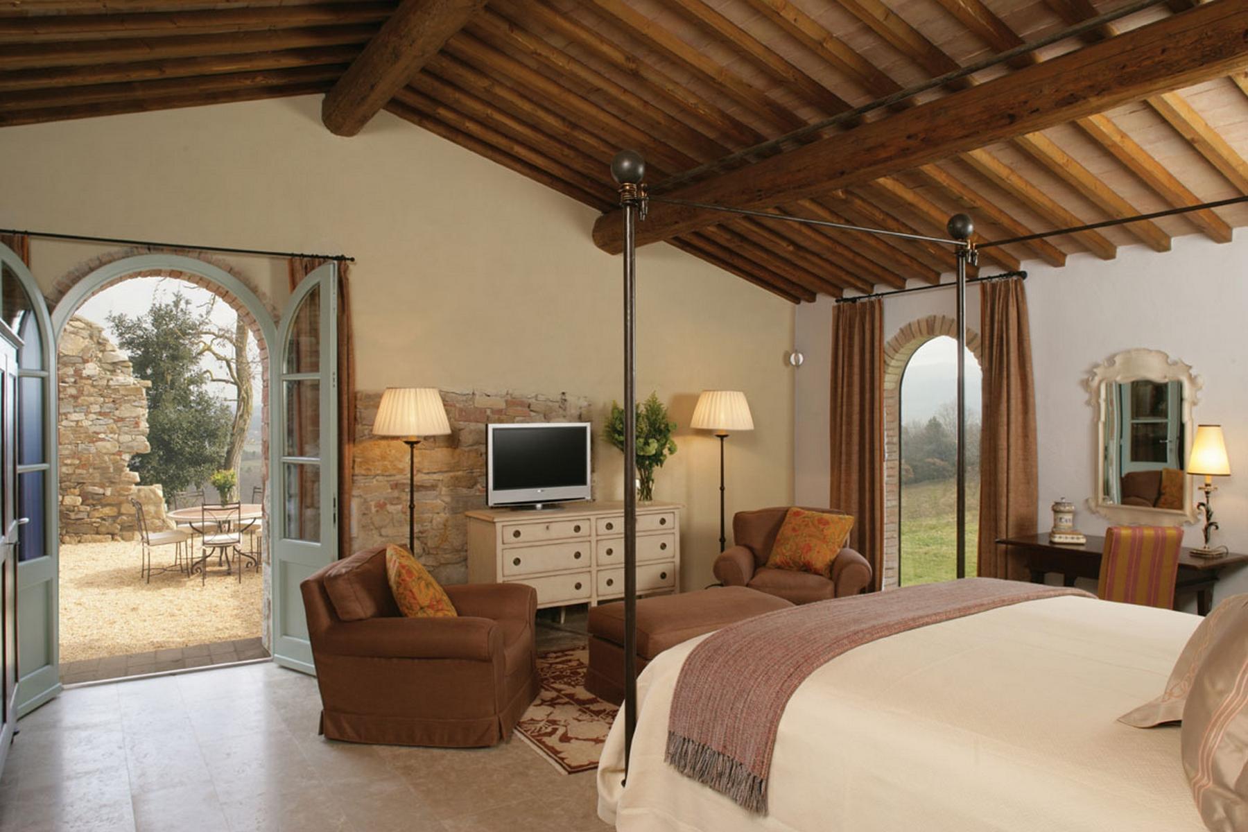 Magnificent estate with farm - 10
