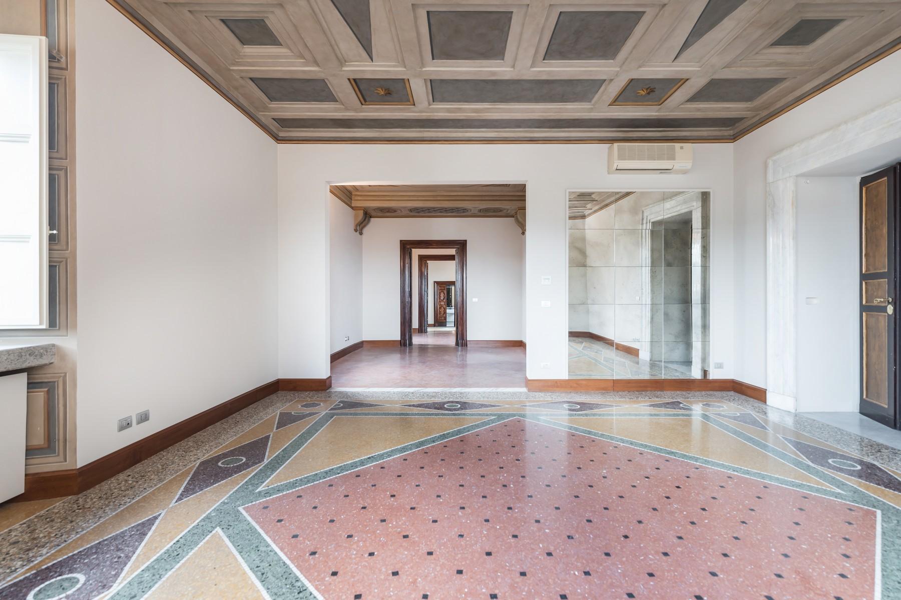 Престижный пятый этаж внутри Виллы Бразини - 3