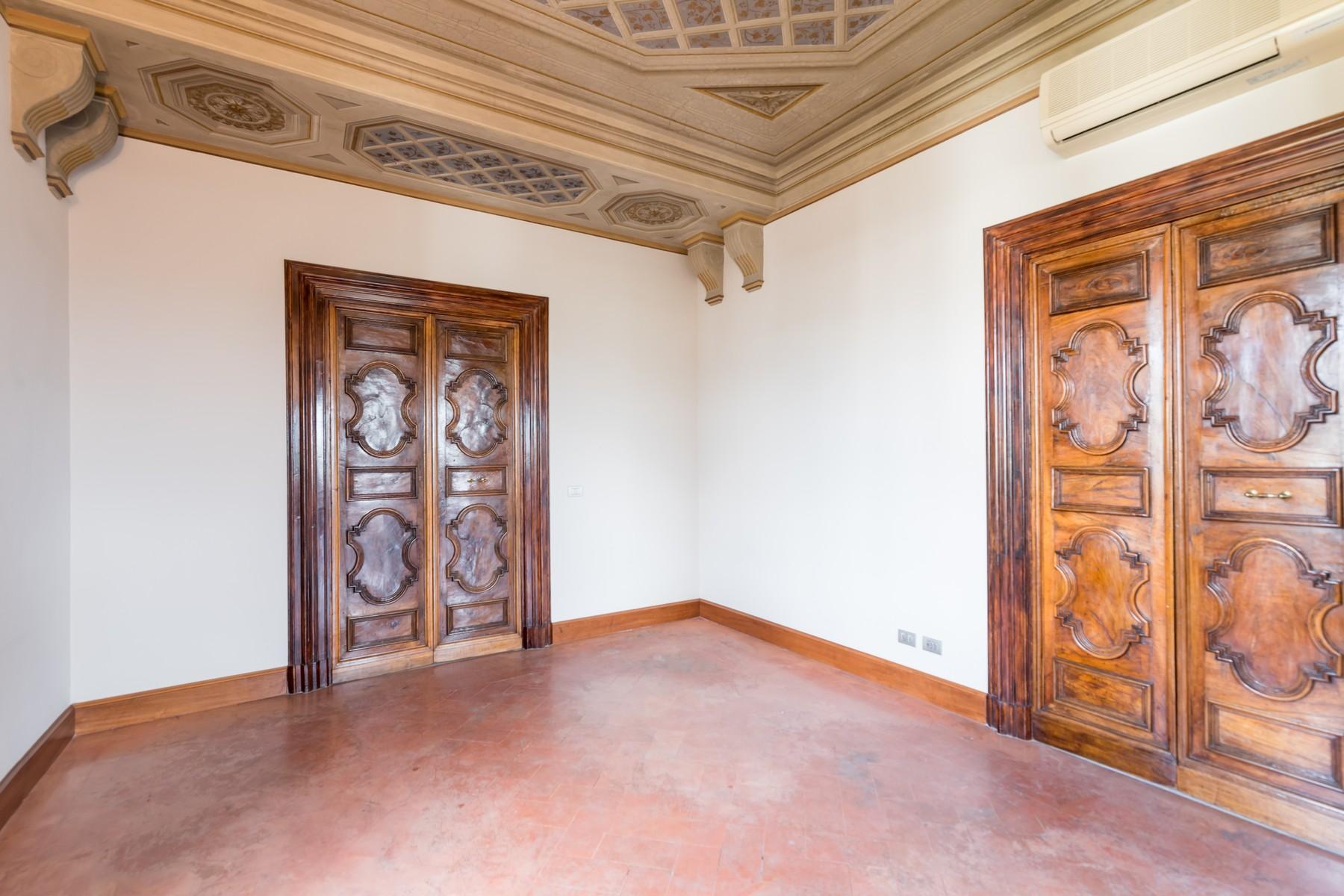 Престижный пятый этаж внутри Виллы Бразини - 4