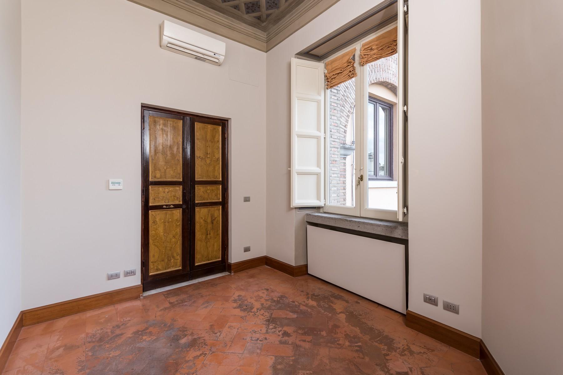 Престижный пятый этаж внутри Виллы Бразини - 11