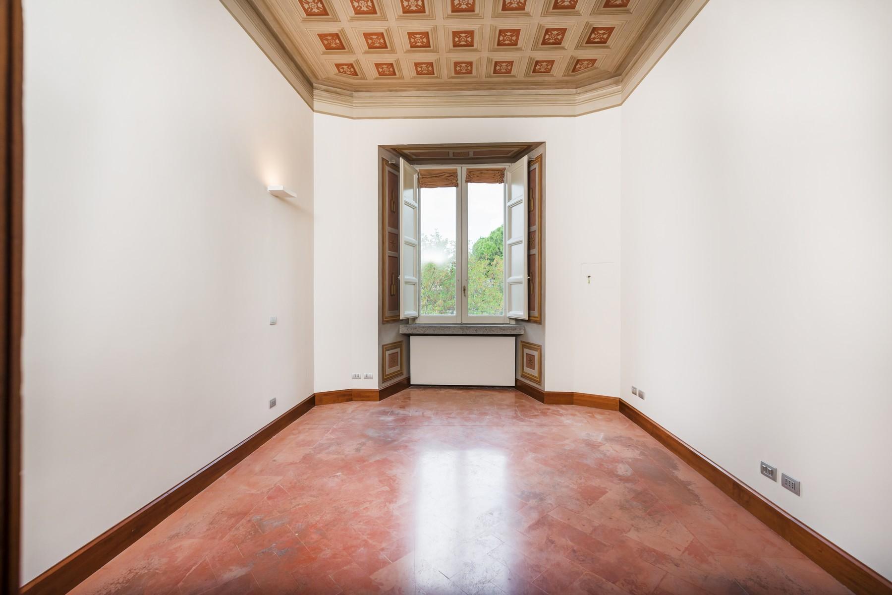 Престижный пятый этаж внутри Виллы Бразини - 12