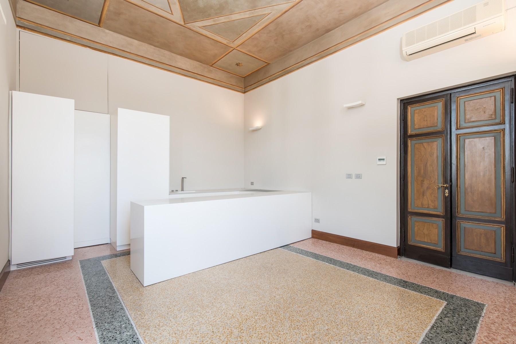 位于著名的Brasini别墅内的优雅的公寓 - 14