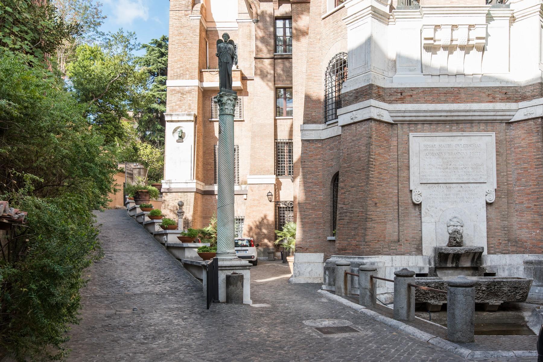 Luxury penthouse inside Villa Brasini with stunning views - 12