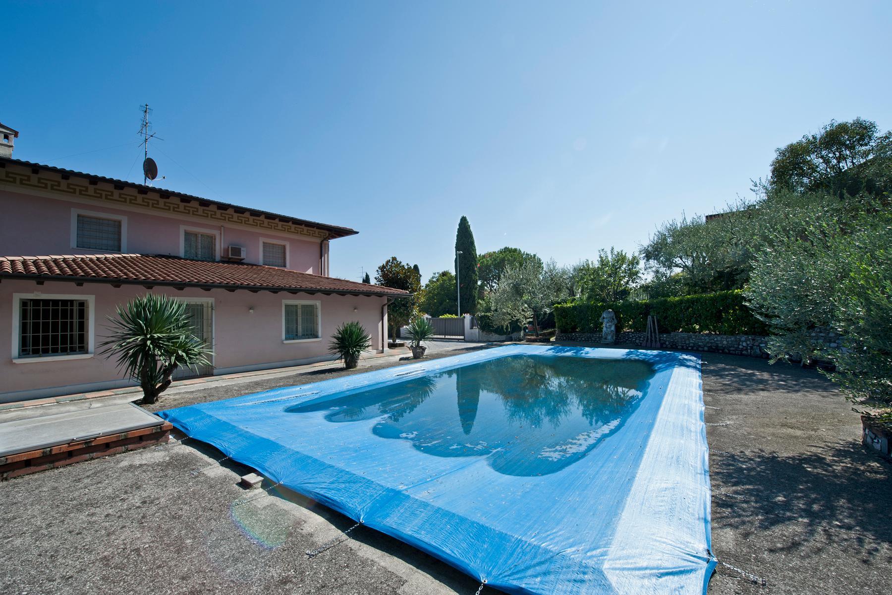 Villa indipendente di charme con piscina ed ampio giardino - 14