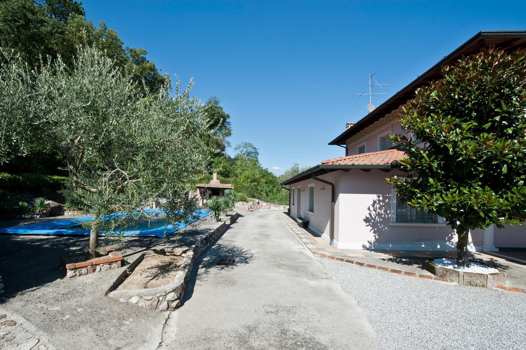 Villa indipendente di charme con piscina ed ampio giardino - 13