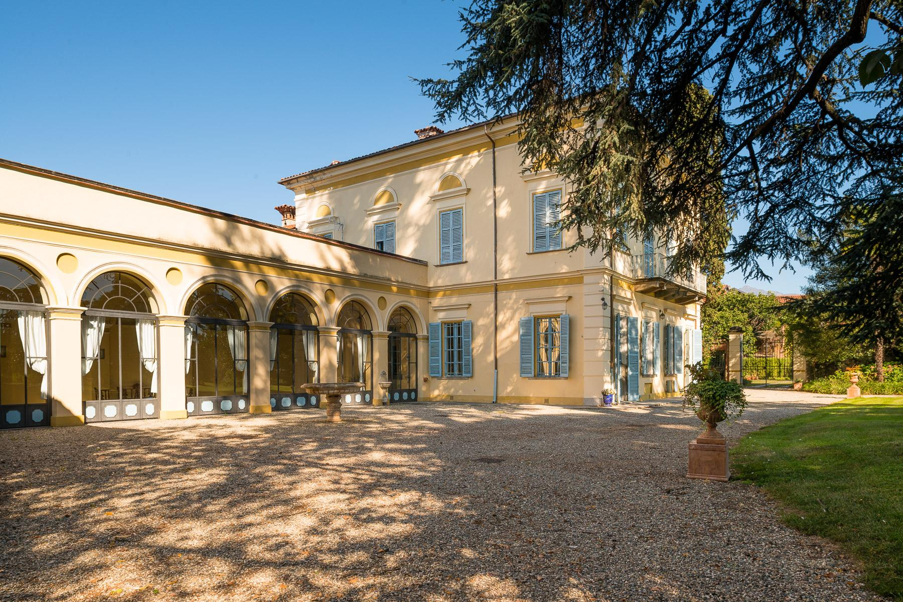 Elegant Villa in the Canavese countryside - 1