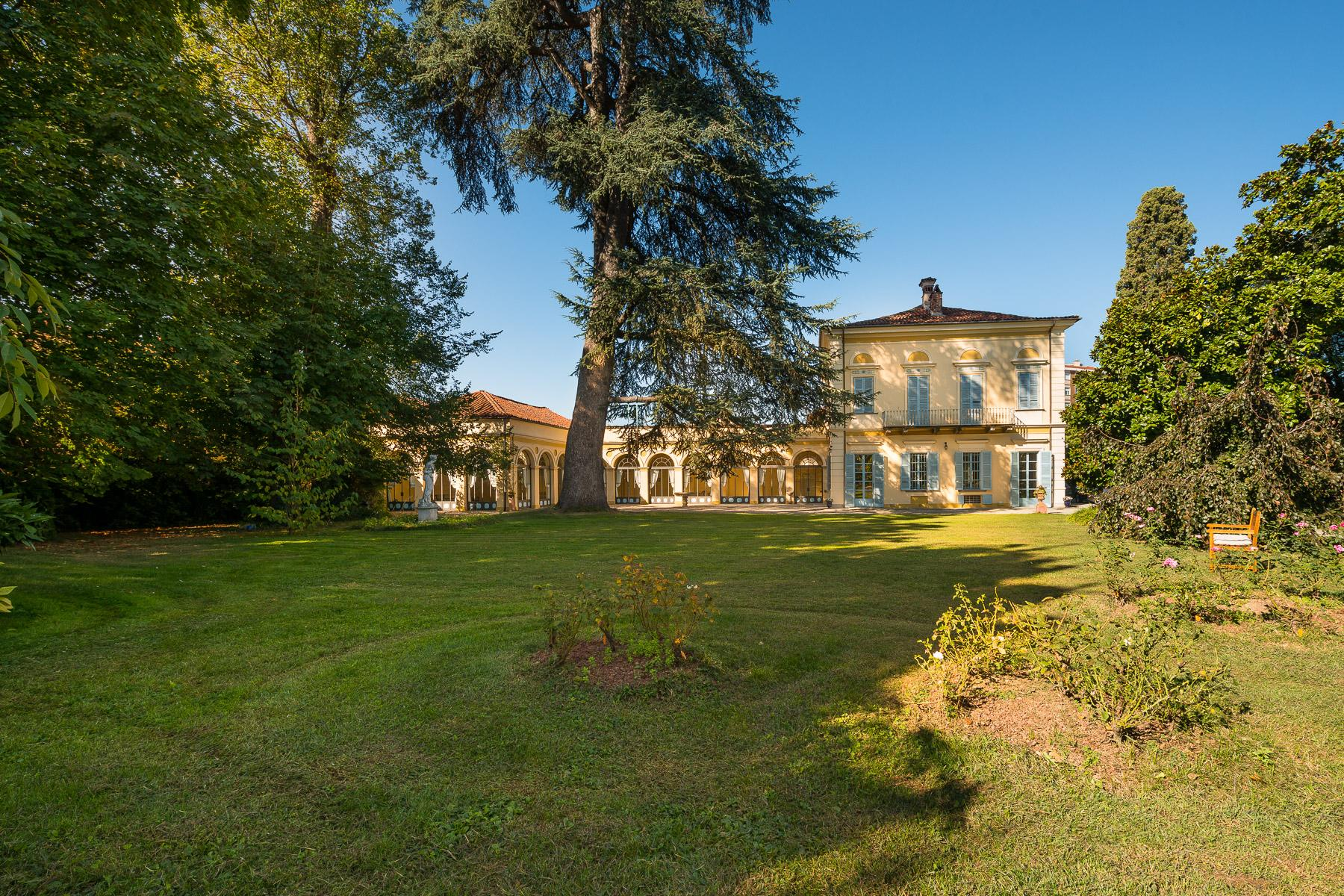 Elegant Villa in the Canavese countryside - 19
