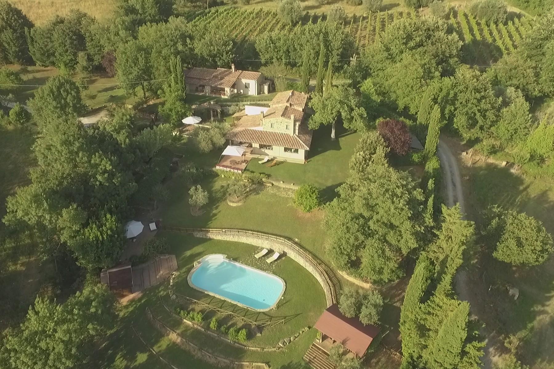 Farmhouse with outbuildingand pool with beautiful view over Saturnia and the surroundings - 4