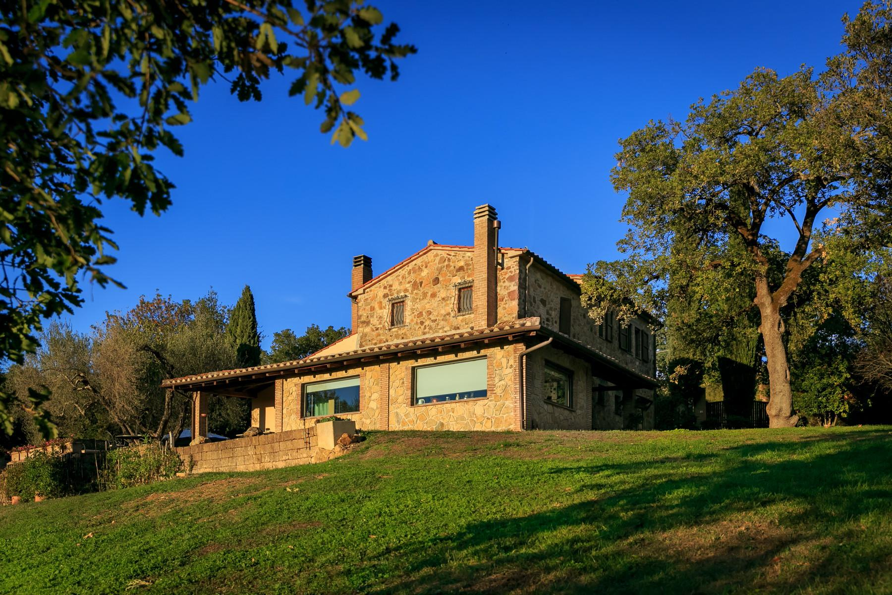 Farmhouse with outbuildingand pool with beautiful view over Saturnia and the surroundings - 2