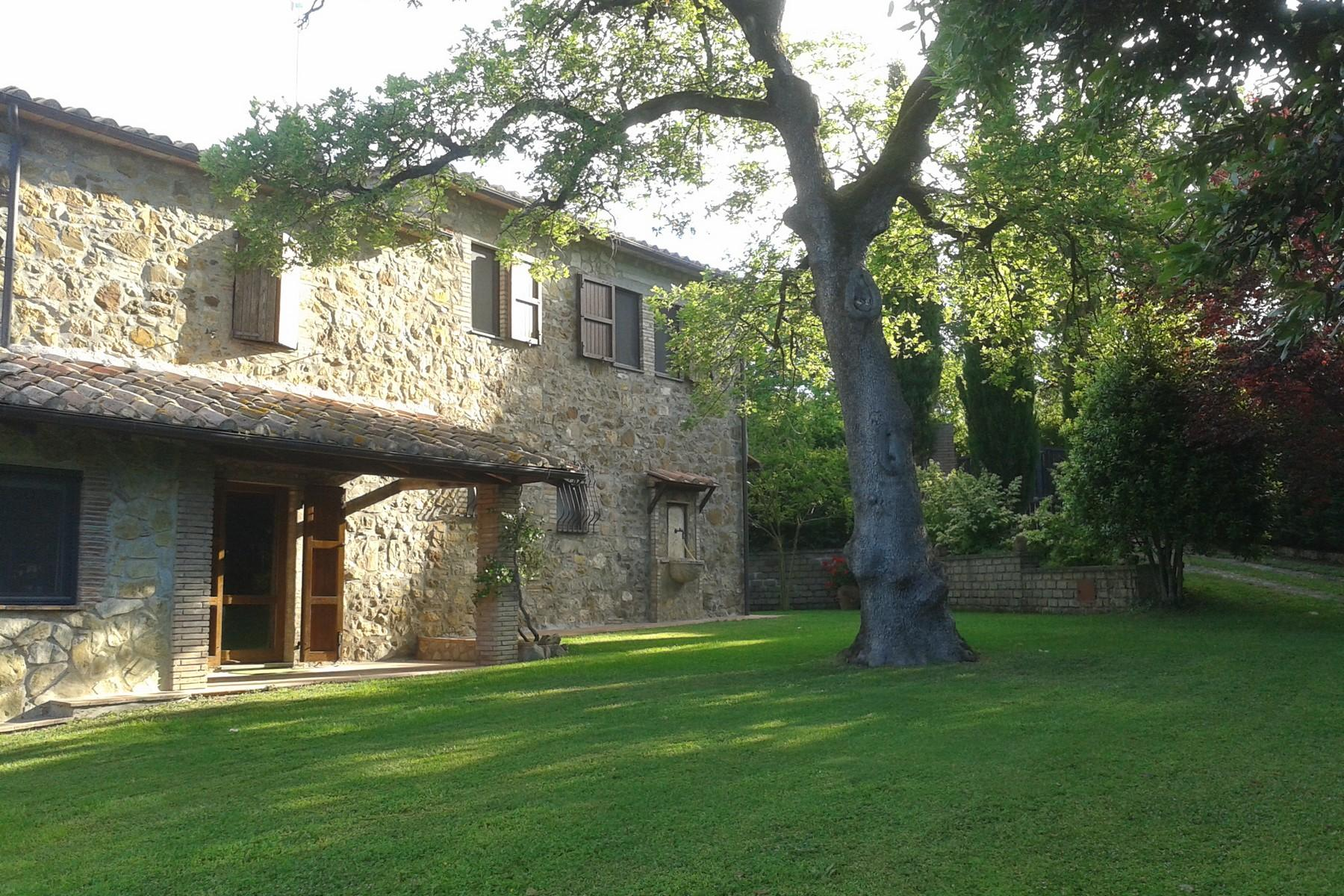Farmhouse with outbuildingand pool with beautiful view over Saturnia and the surroundings - 8