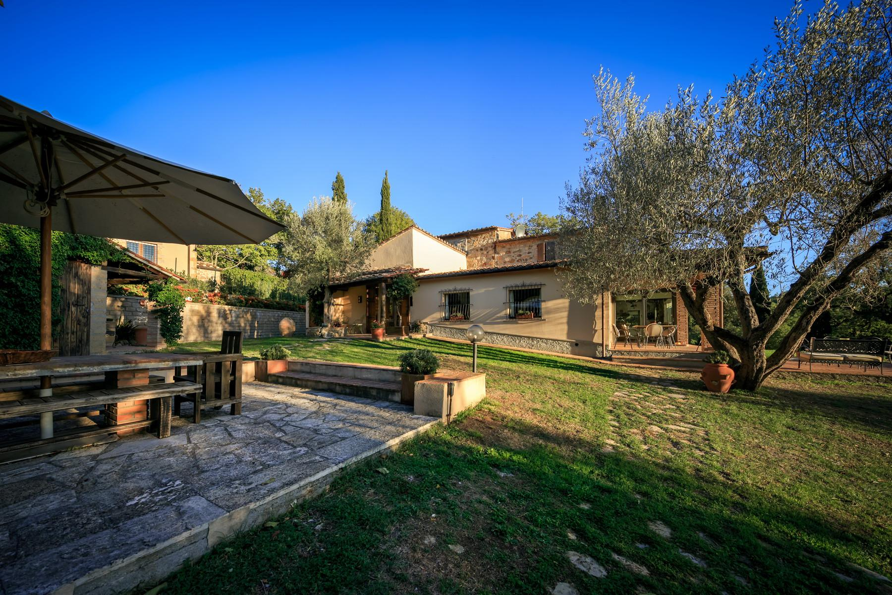 Farmhouse with outbuildingand pool with beautiful view over Saturnia and the surroundings - 3