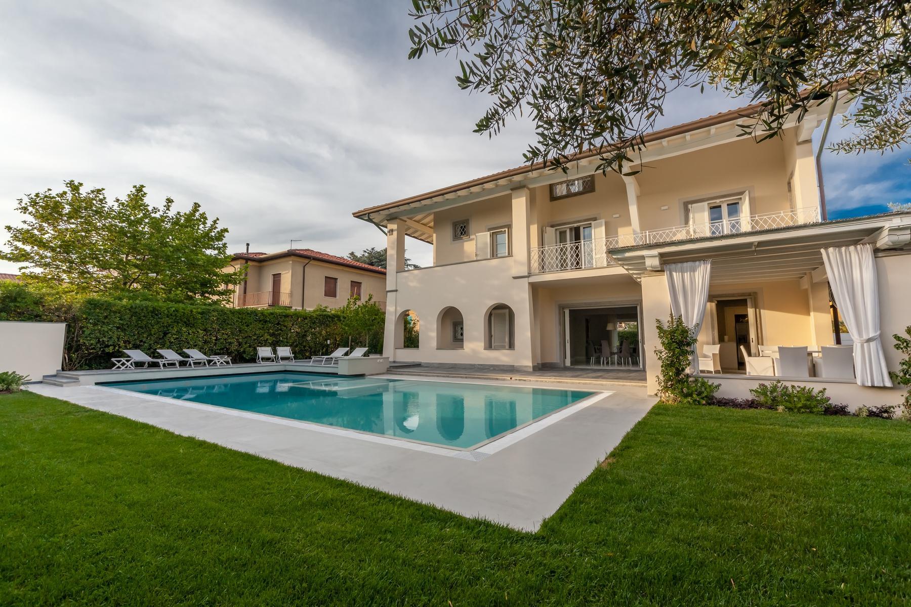 Wunderschöne Villa mit Pool in Forte dei Marmi - 1