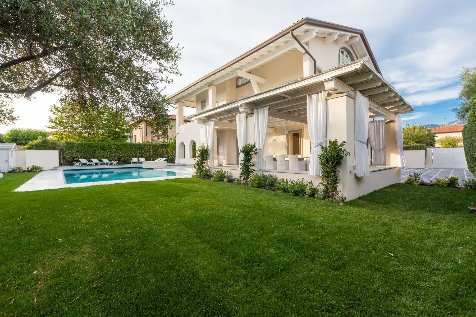Wunderschöne Villa mit Pool in Forte dei Marmi - 2