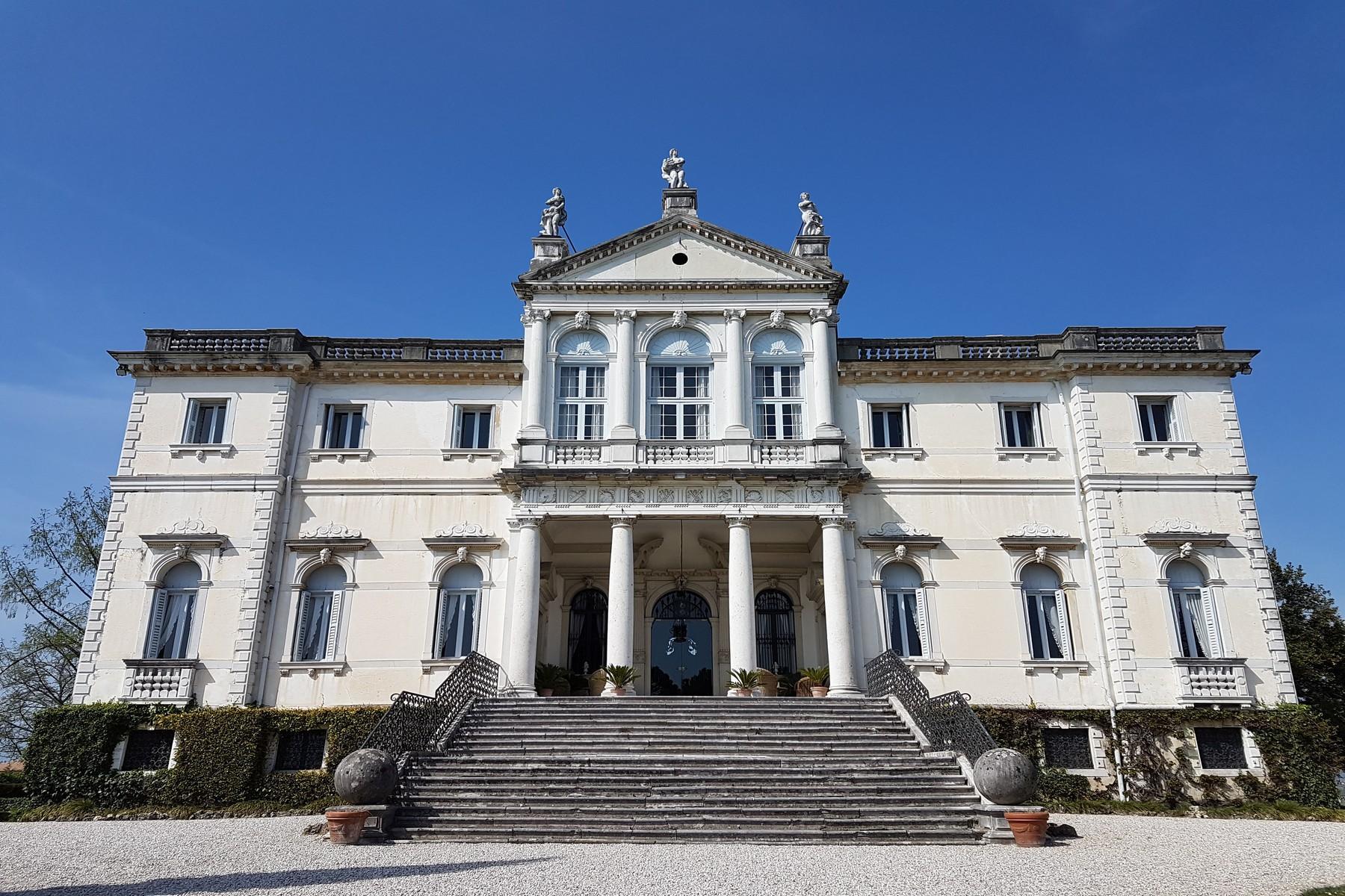 Splendida villa risalente alla seconda metà del XVII - 1