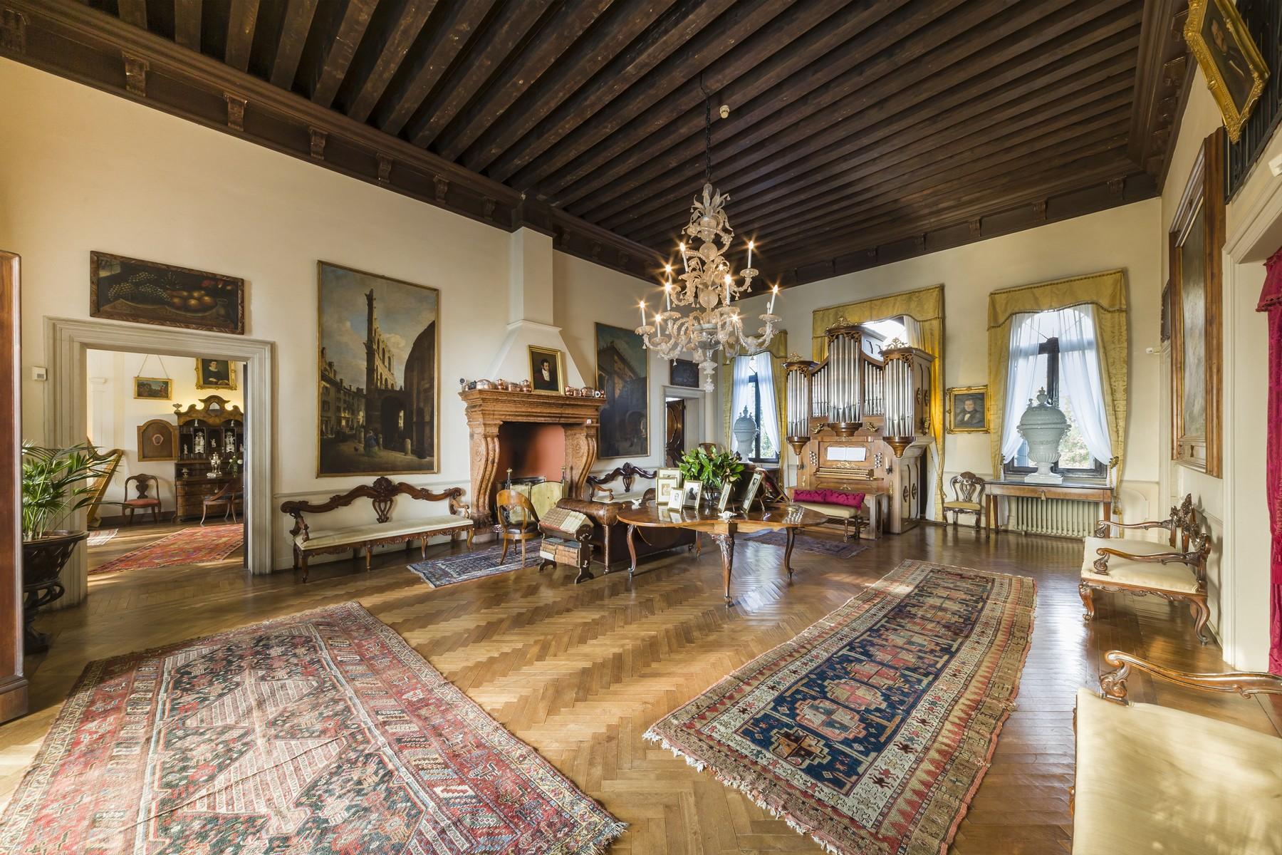 可追溯到十七世纪下半叶的辉煌别墅 - 3