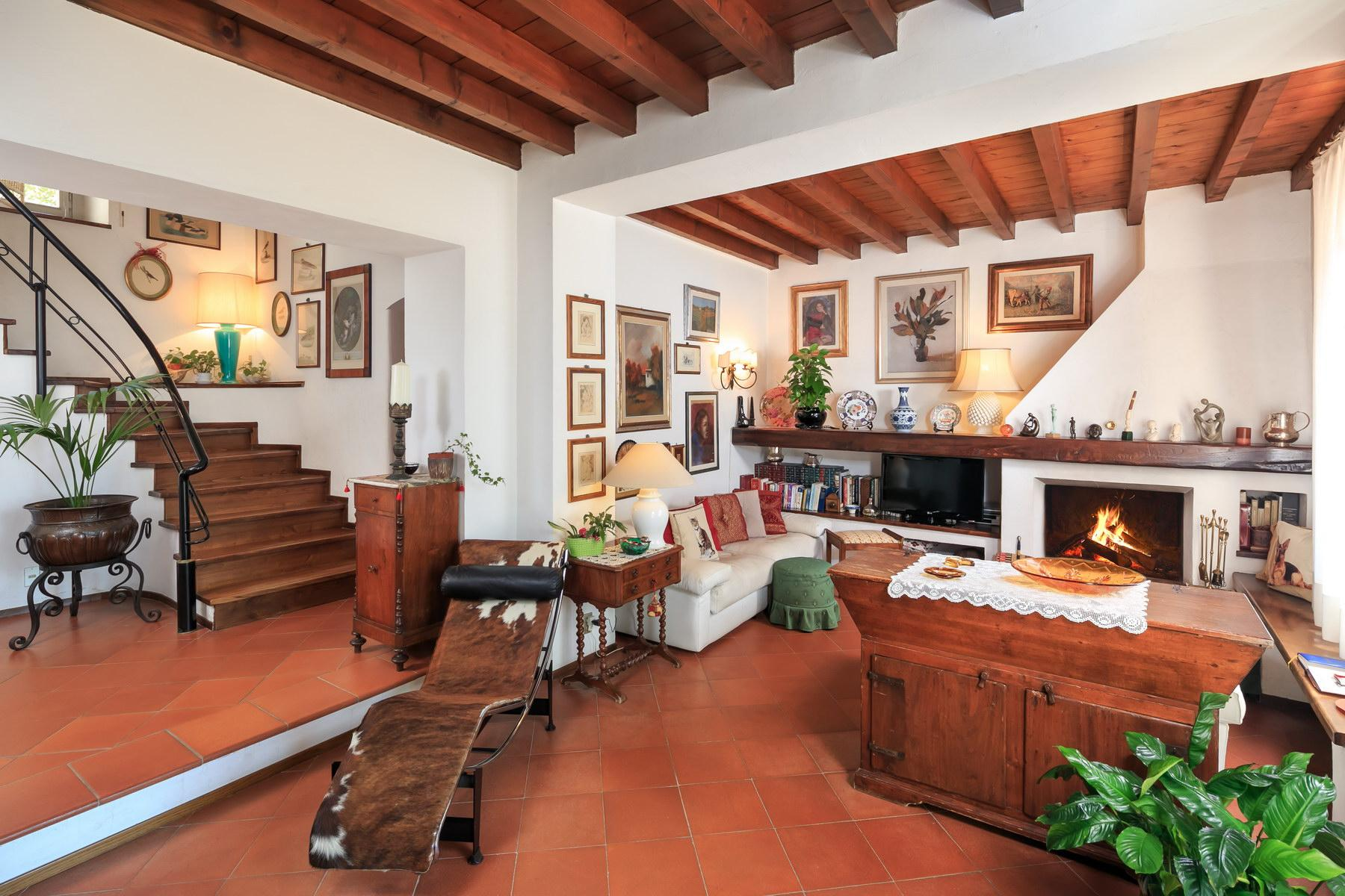 Wonderful farmhouse on the Tuscan hills - 4