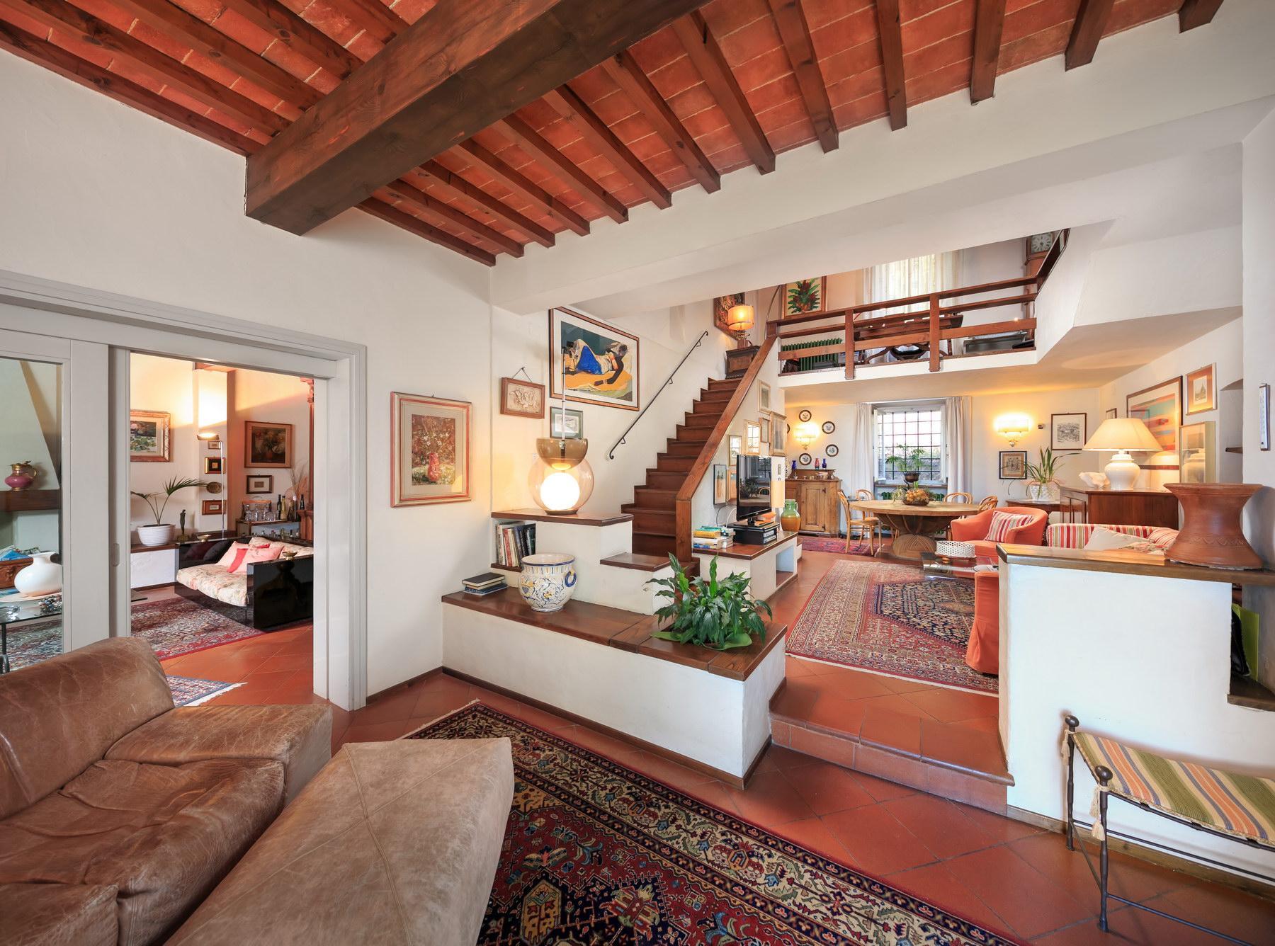 Wonderful farmhouse on the Tuscan hills - 10