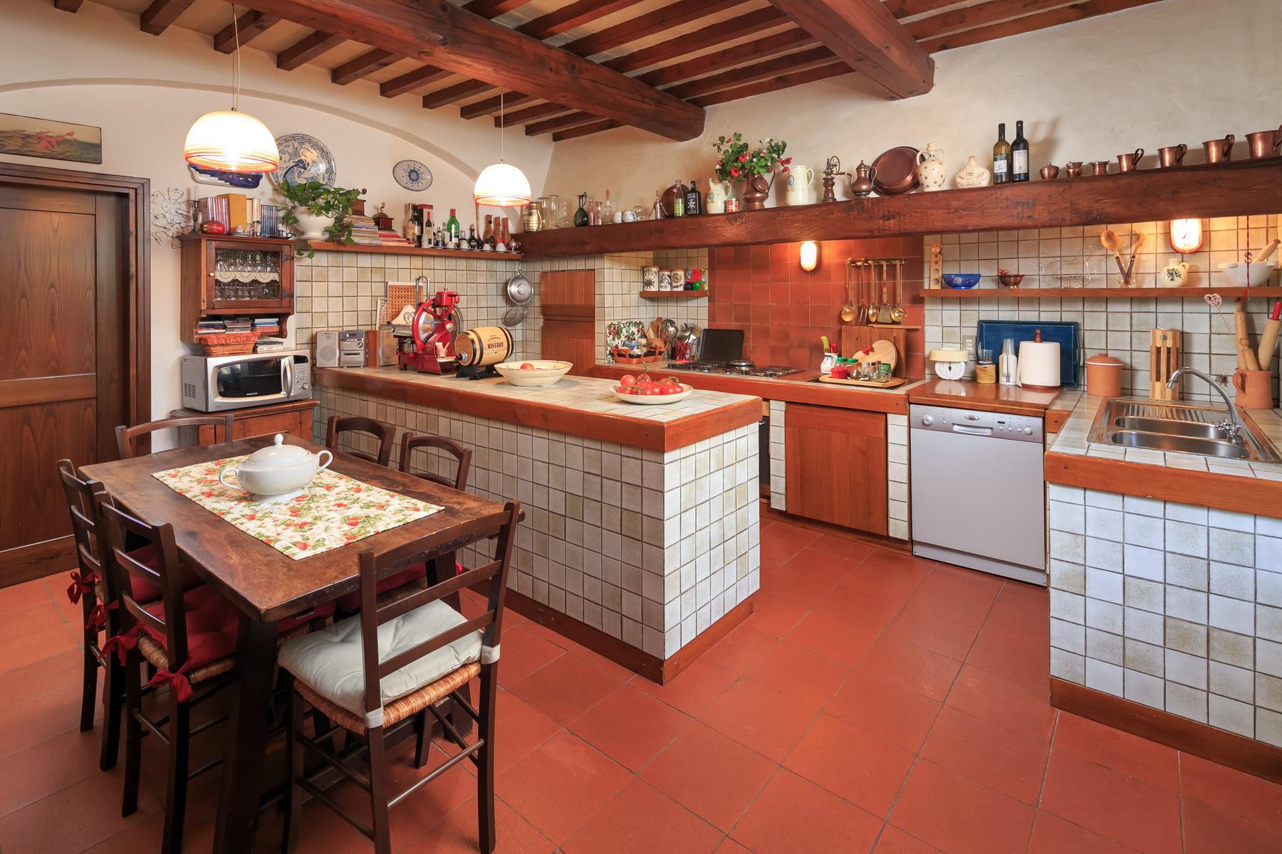 Wonderful farmhouse on the Tuscan hills - 17
