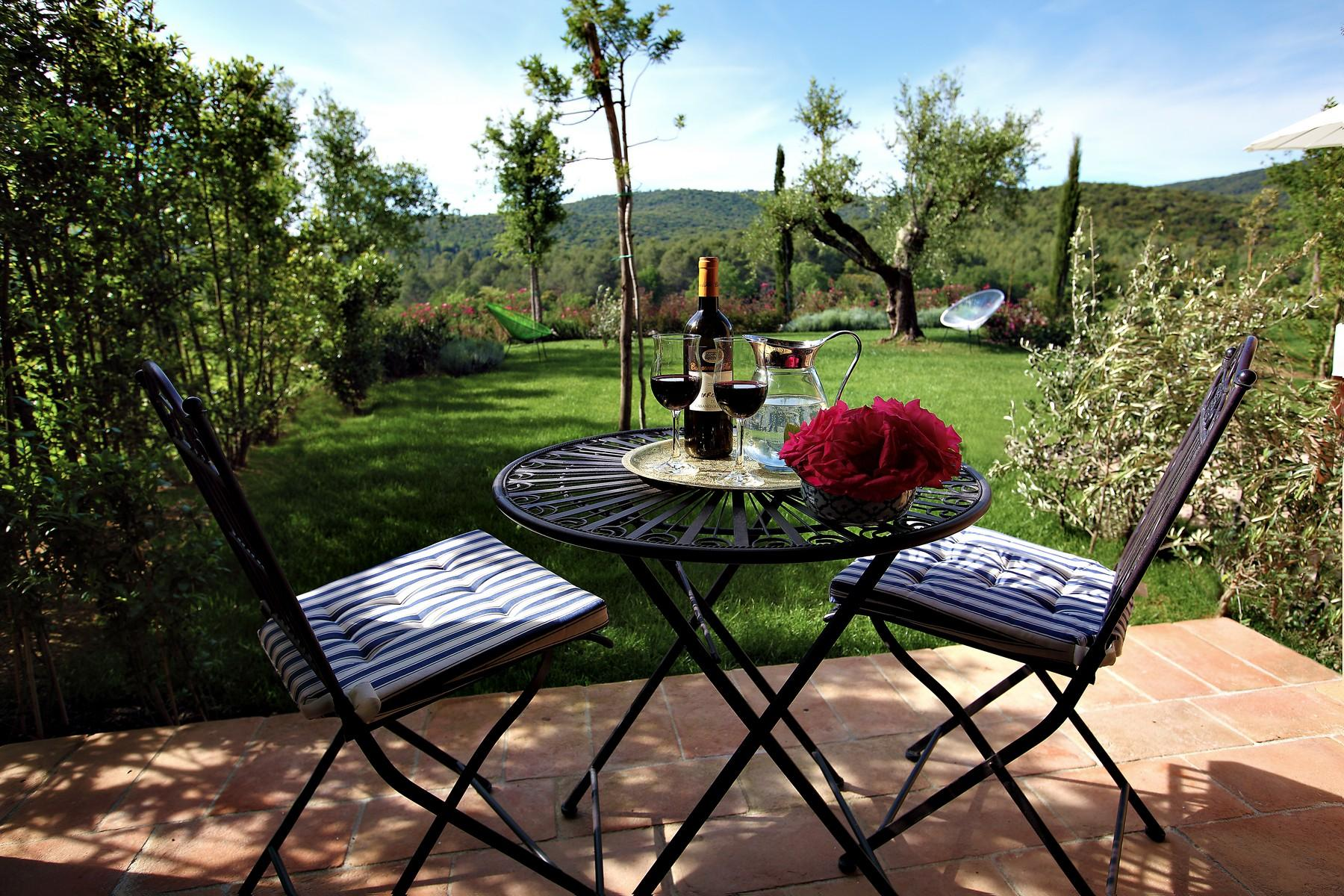 New farmhouses in the Tuscan hills - 9