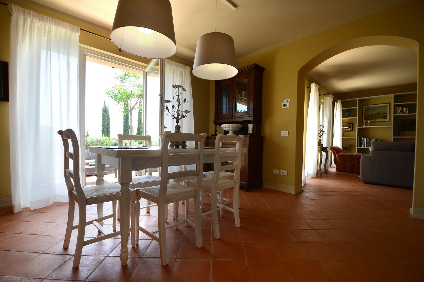 New farmhouses in the Tuscan hills - 13