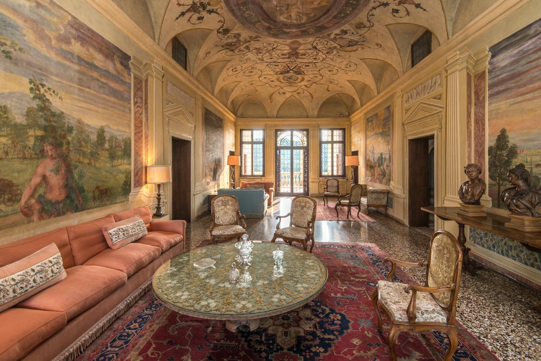 Magnifica villa di pregio storico e artistico - 3
