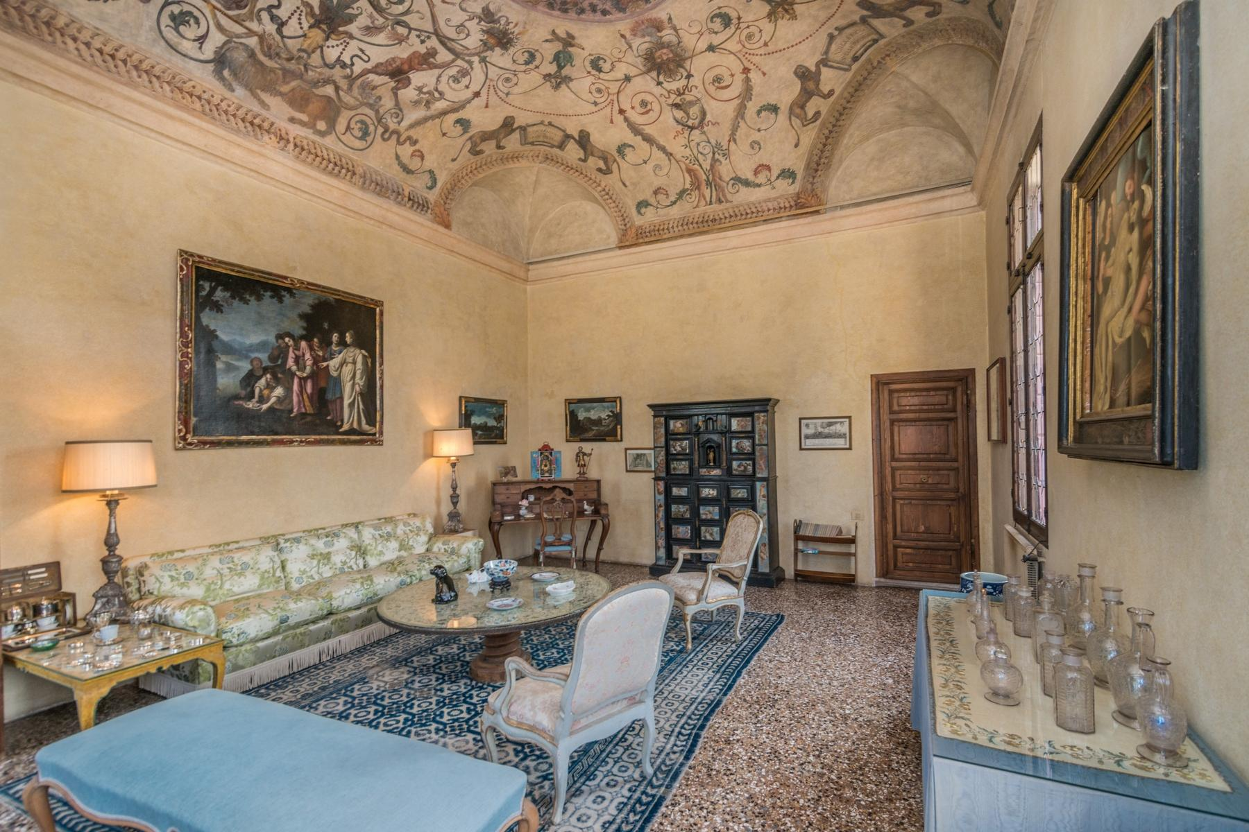 Magnificent villa of historical and artistic value - 8