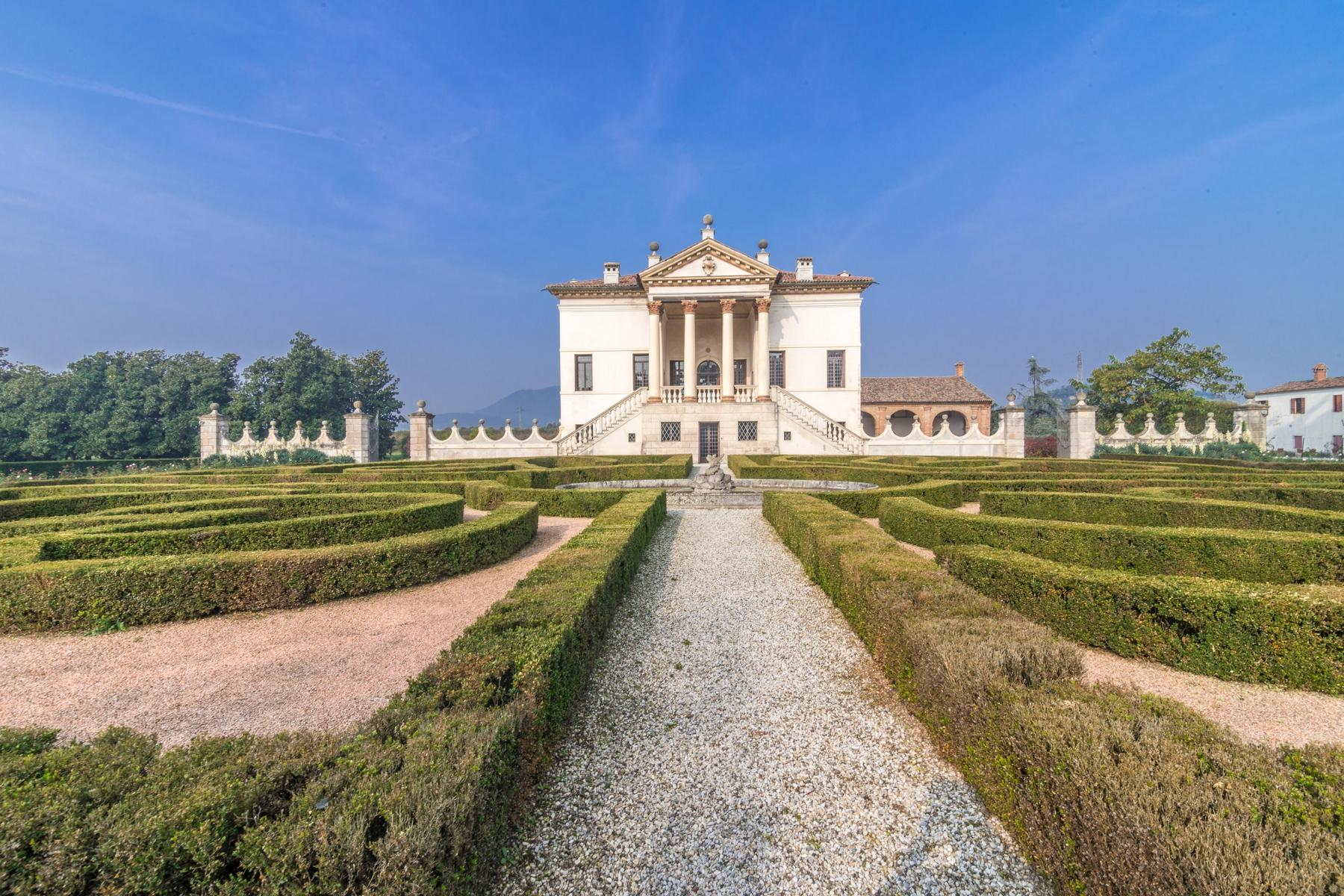 Magnificent villa of historical and artistic value - 25
