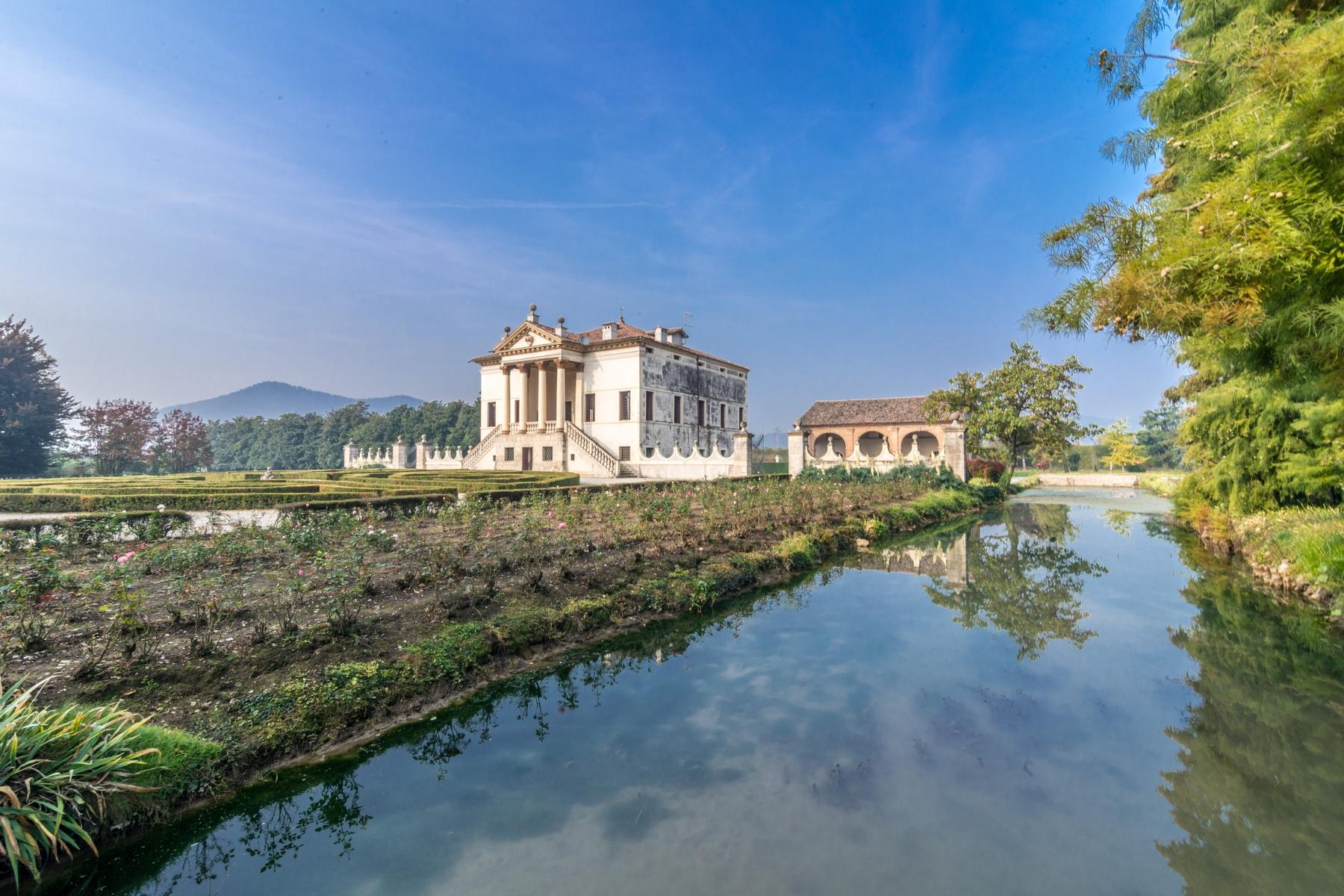 Magnificent villa of historical and artistic value - 17